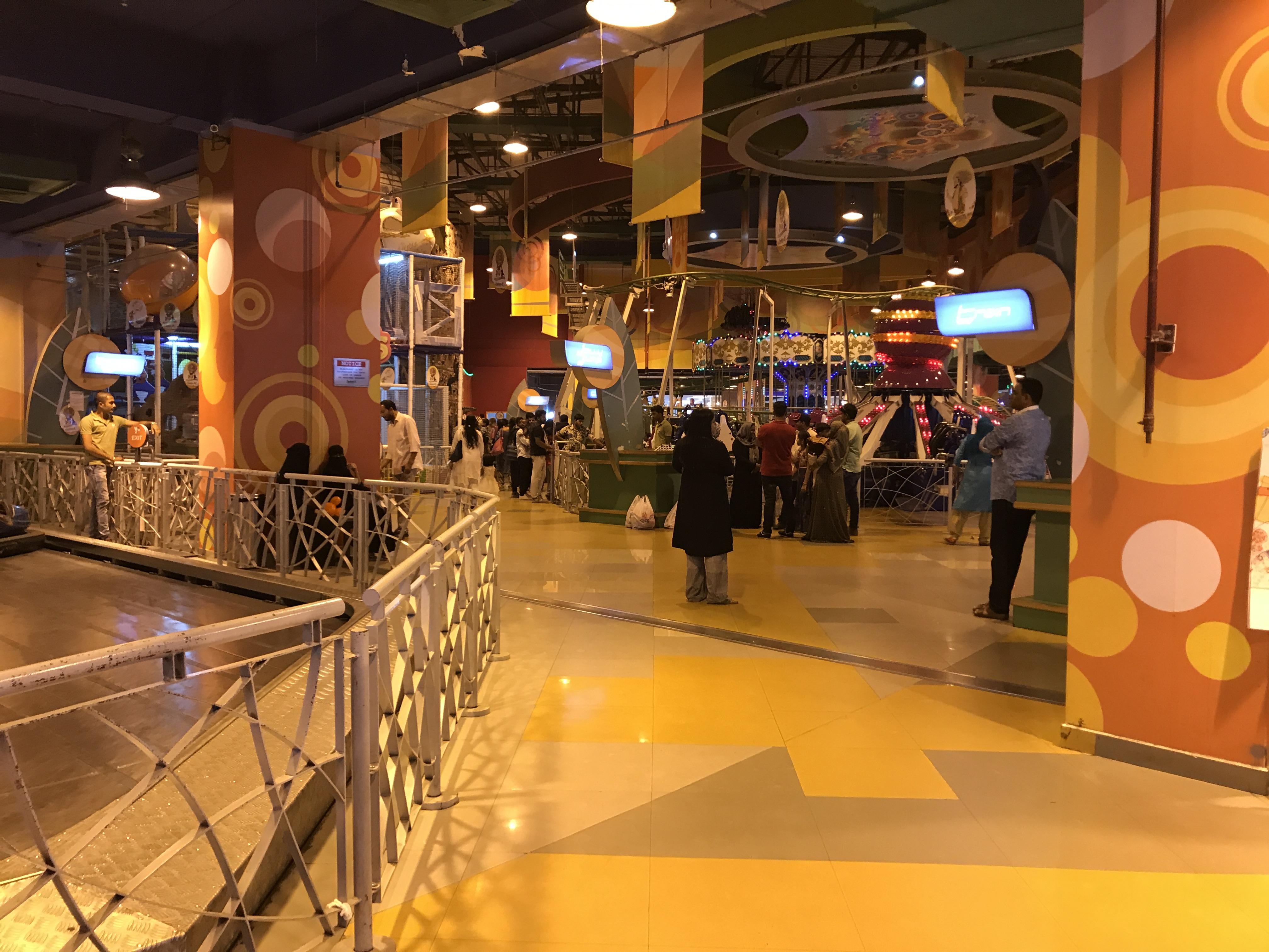 top-10-biggest-shopping-mall-lulu-mall-kochi