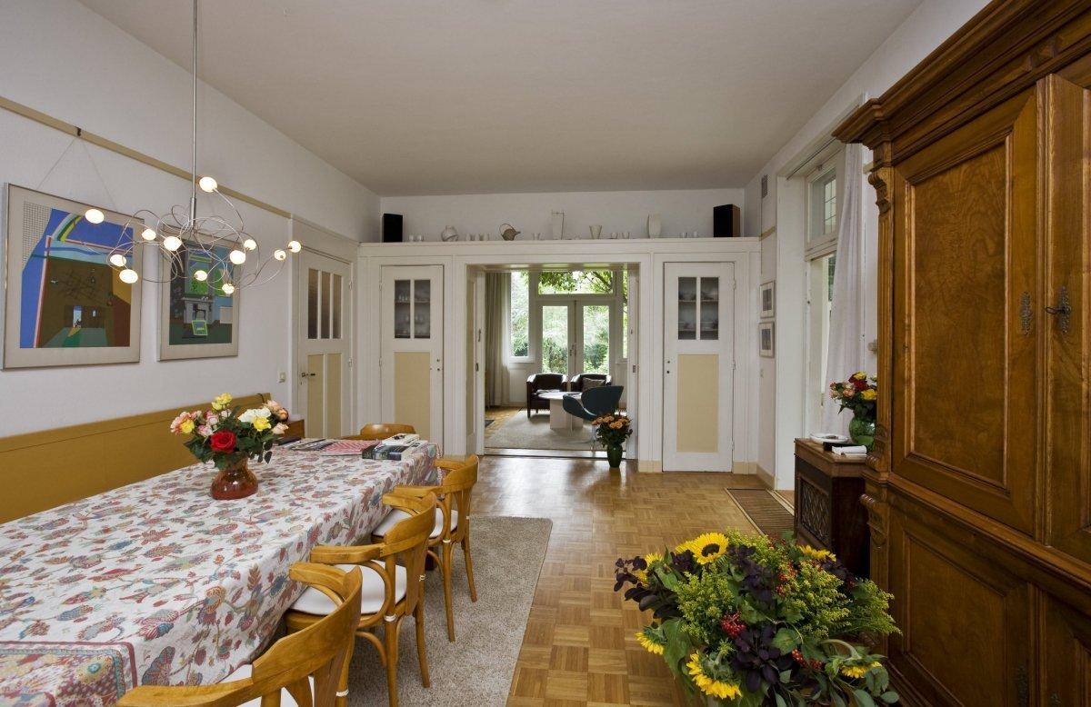 File:Interieur overzicht van de eetkamer gezien naar de zitkamer ...