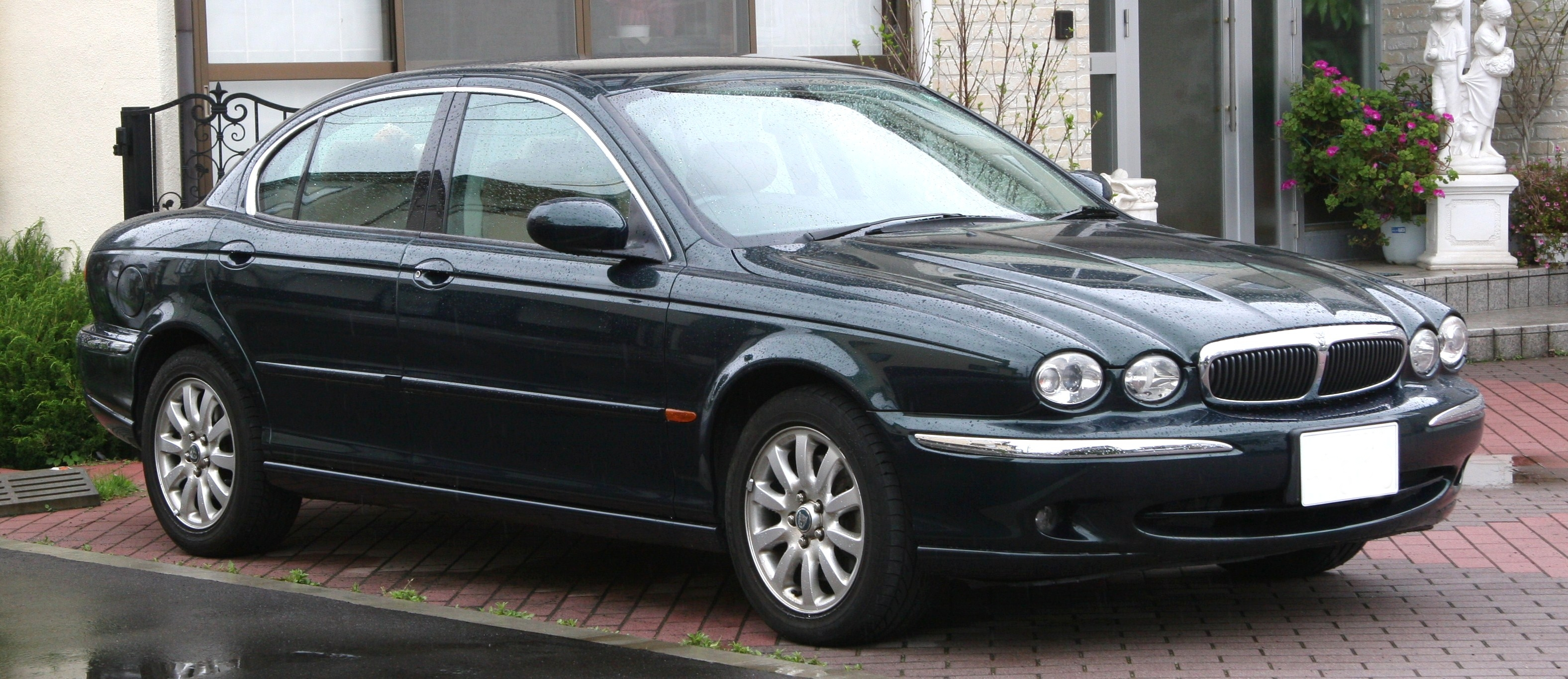 file jaguar x wikipedia. Black Bedroom Furniture Sets. Home Design Ideas
