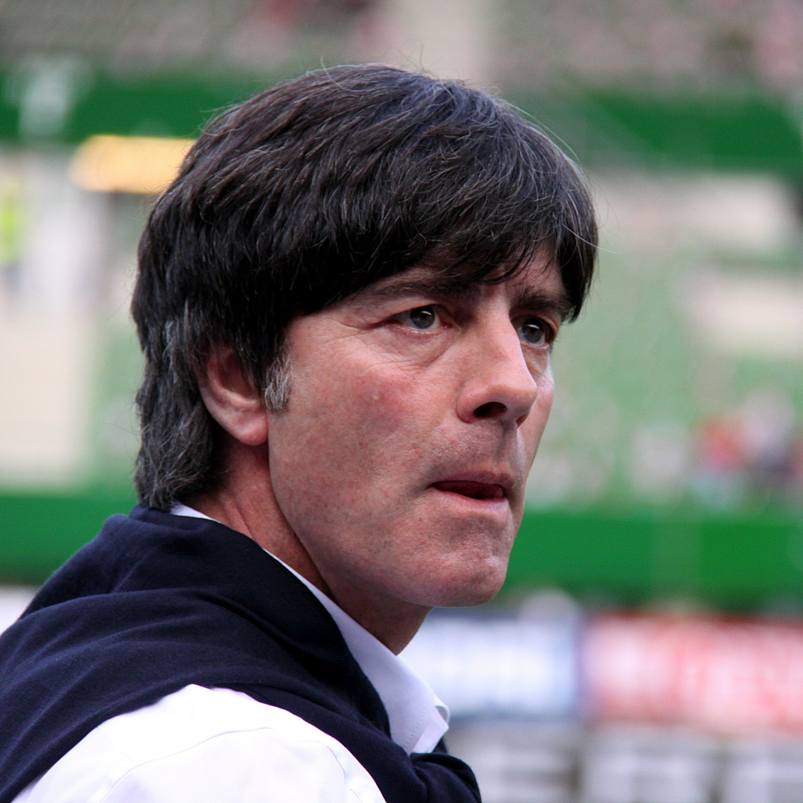 Тренер немецкой футбольной команды фото