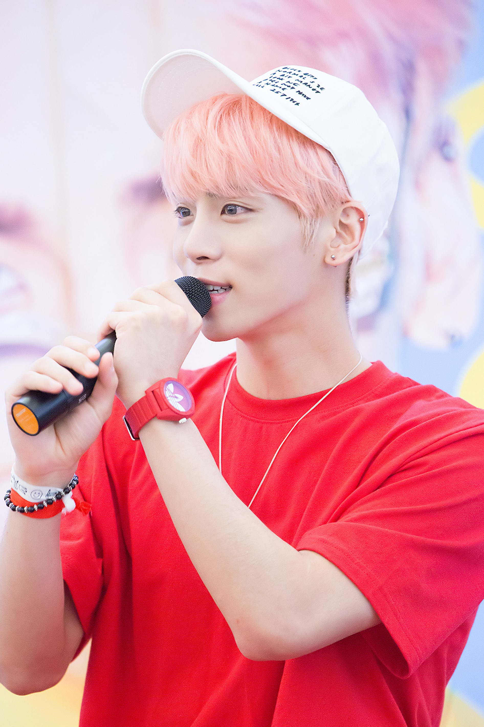 File Jonghyun At A Fansigning In Busan In June 2016 04