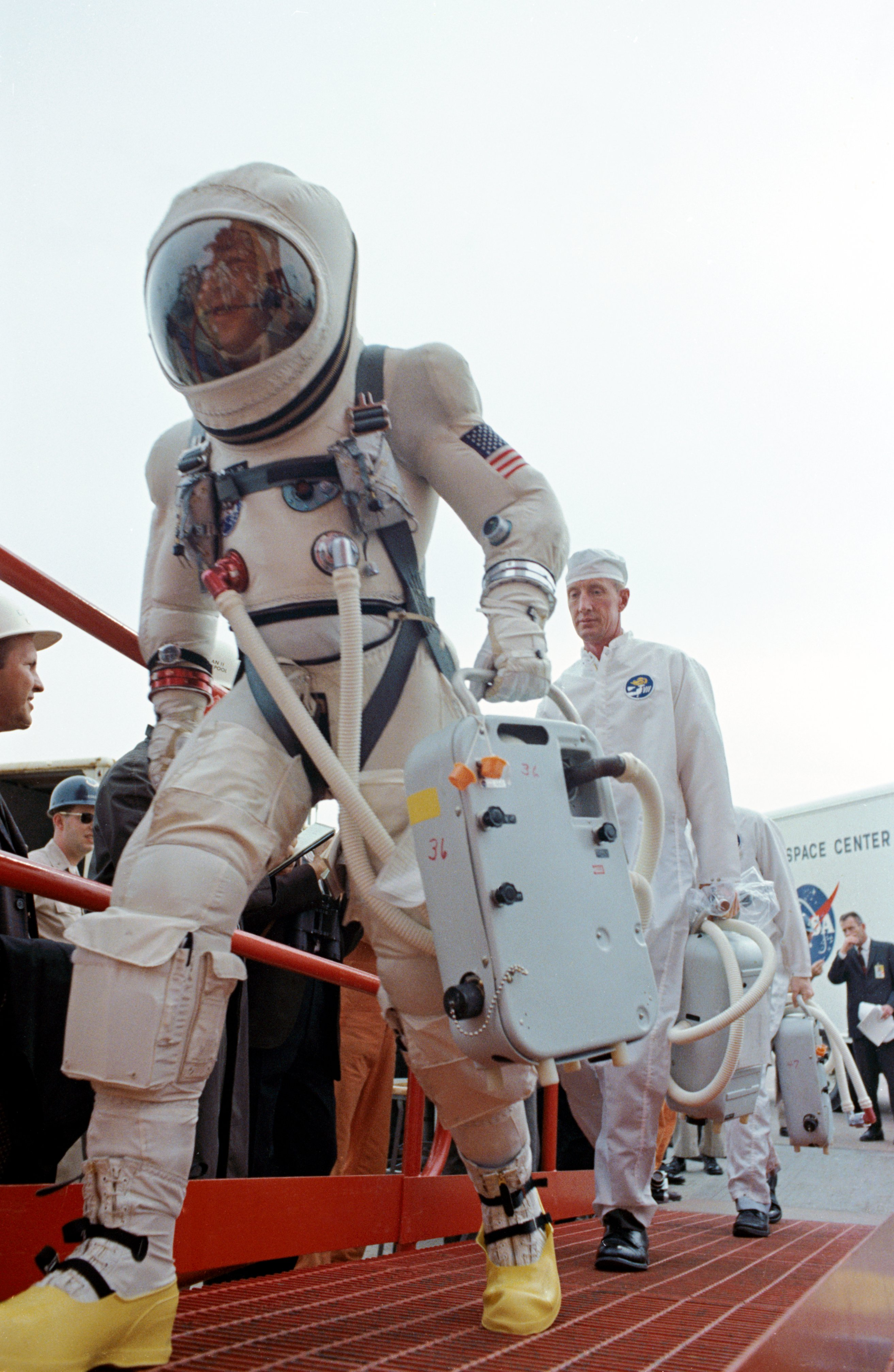 Gemini space suit - Wikiwand
