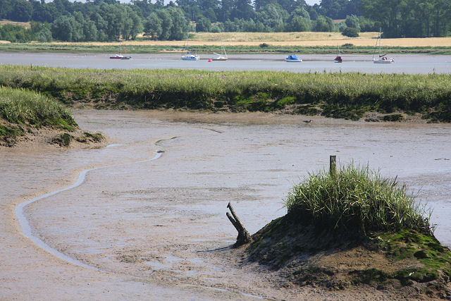 Low tide on the River Deben - geograph.org.uk - 900868