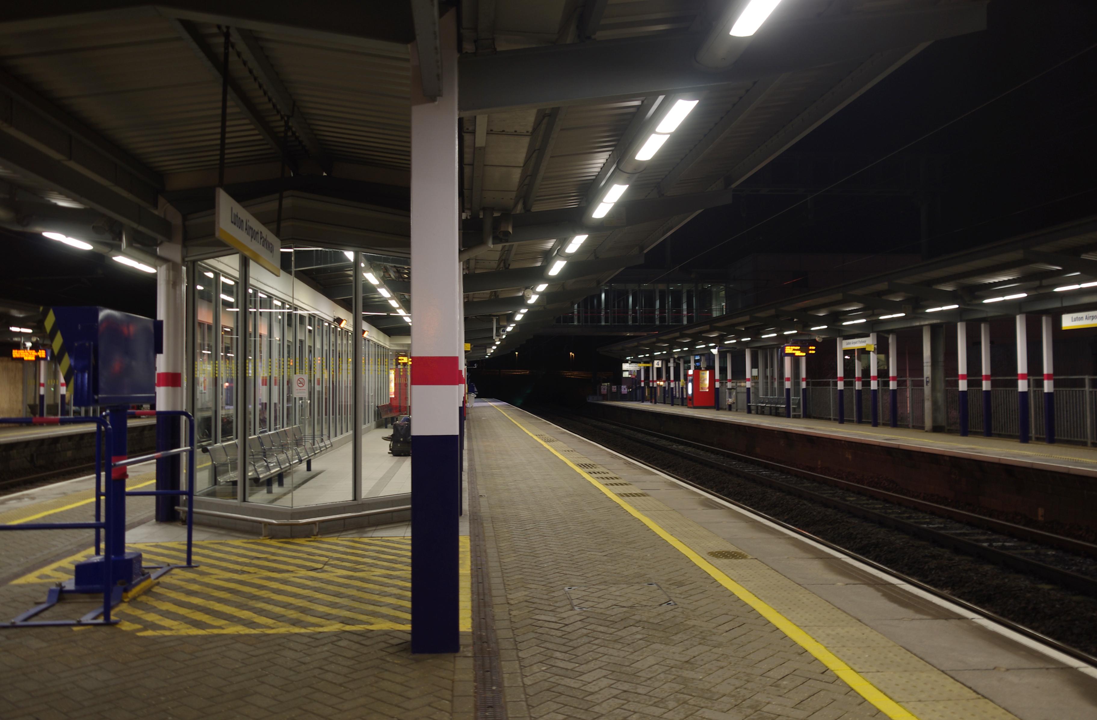 Luton train station