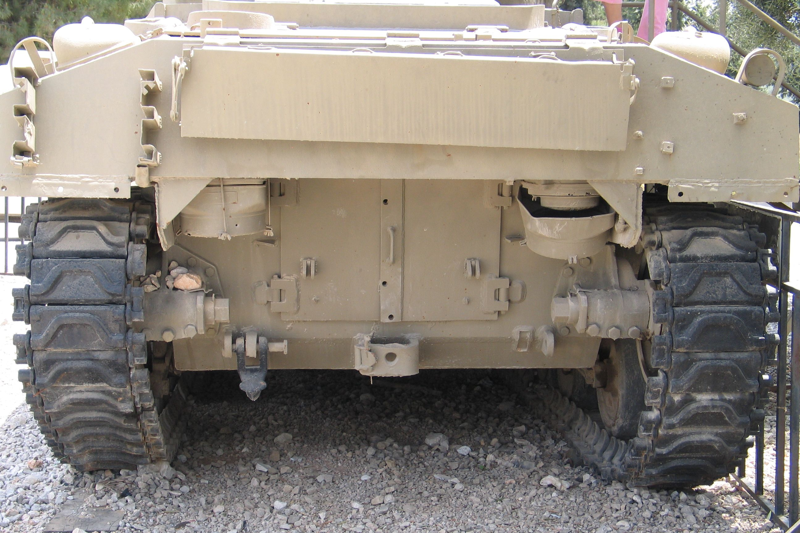 M4-Sherman-105mm-Dozer-latrun-5 Olive Drab Color