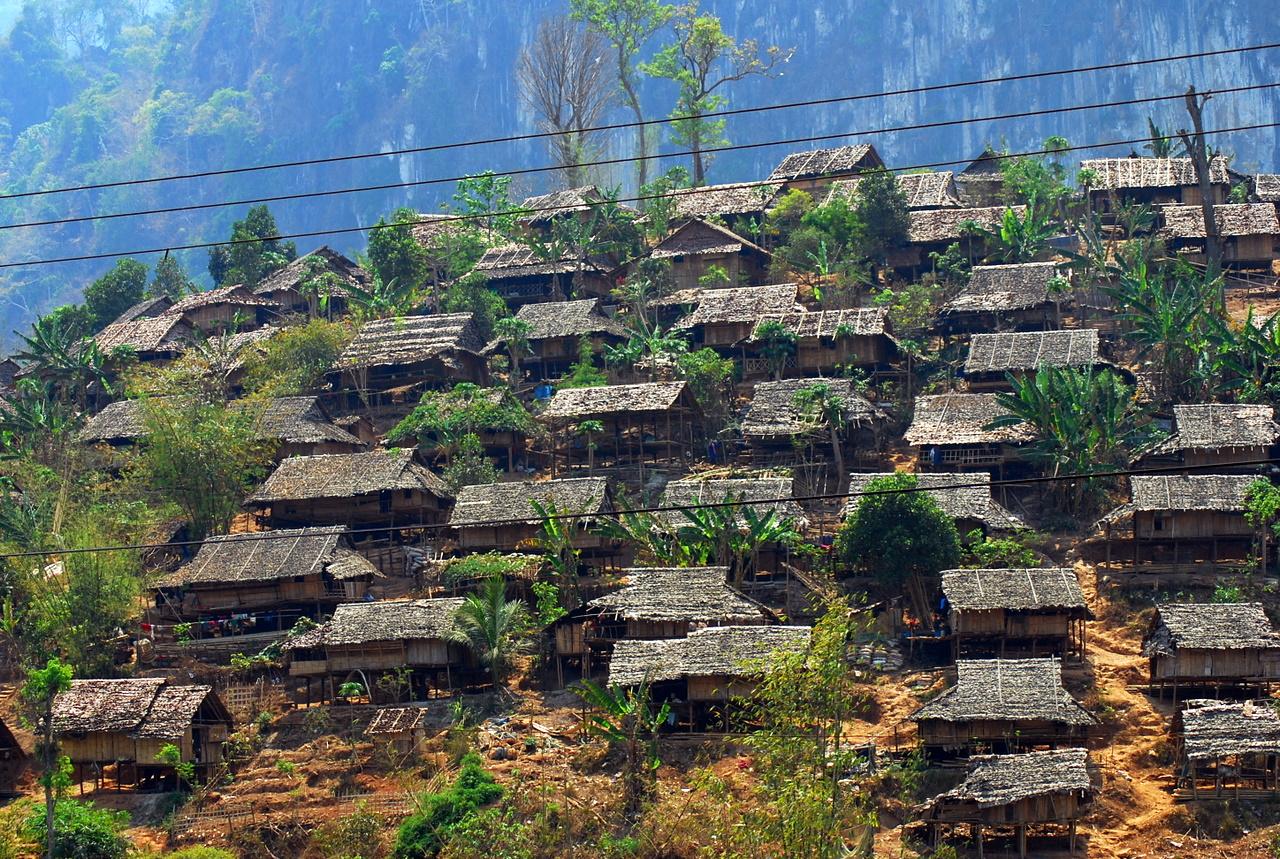 Mae La refugee camp2.jpg