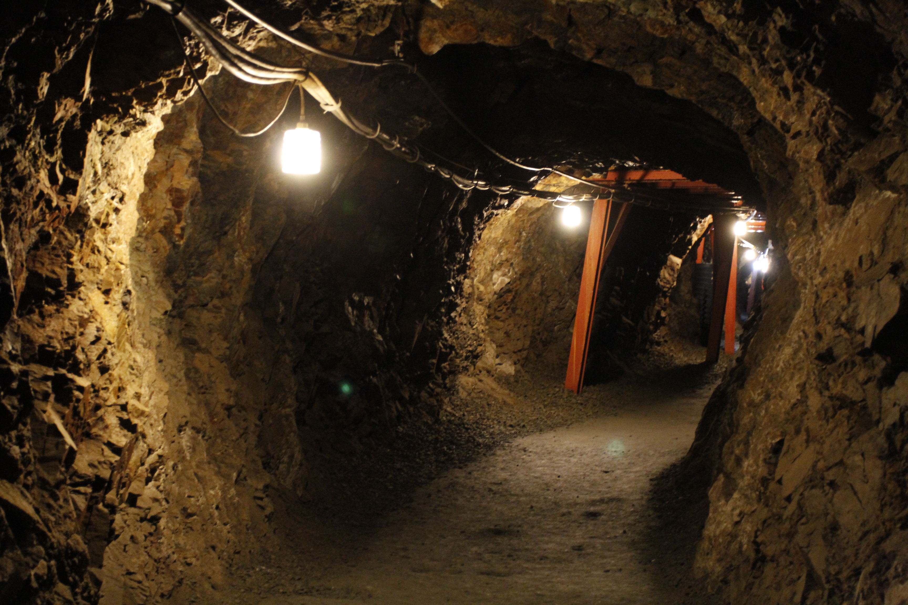 Matsushiro Zouzan Underground Shelter, photo by By baku13 via Wikimedia Commons
