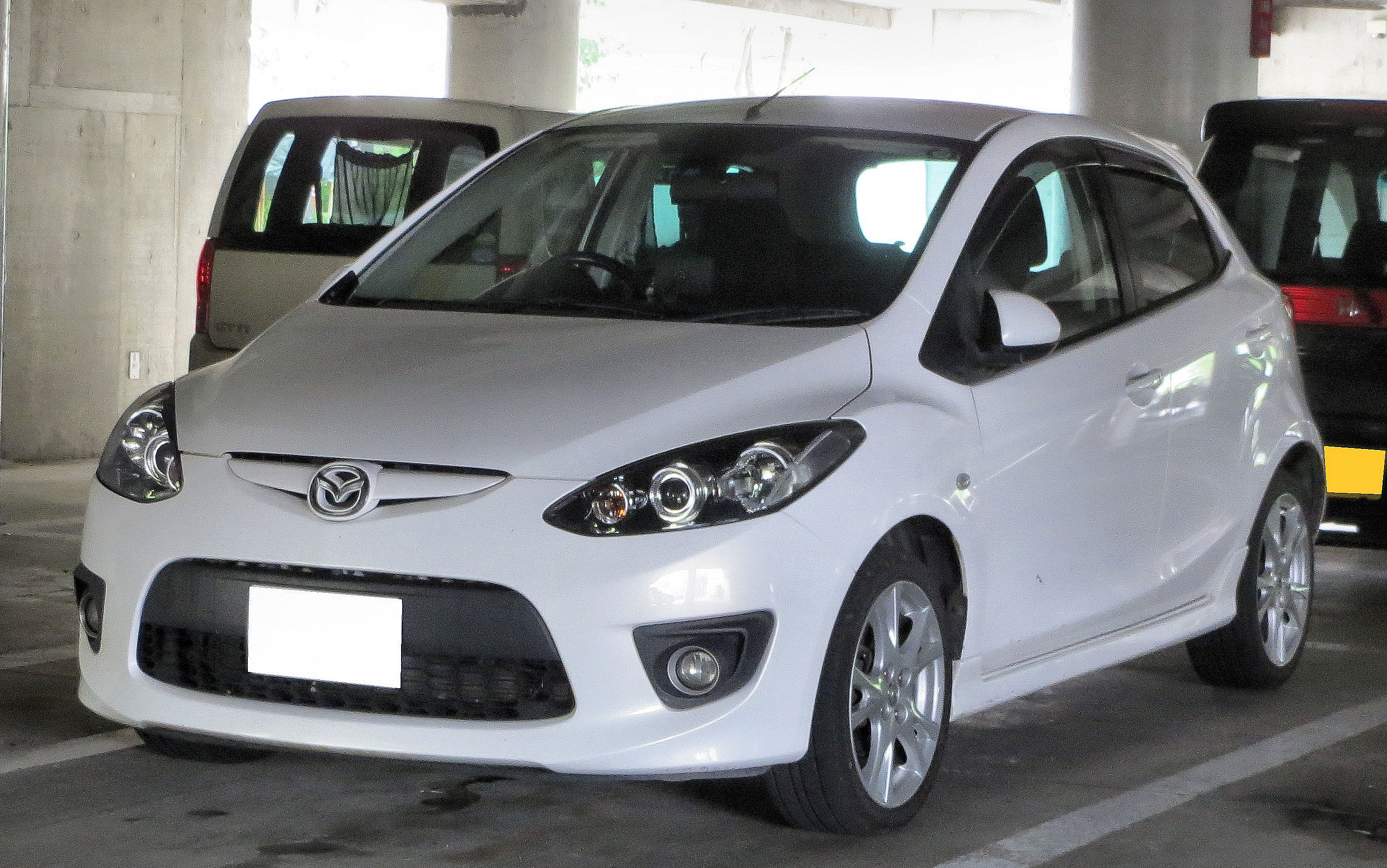 Mazda Demio Sport DE5FS.JPG