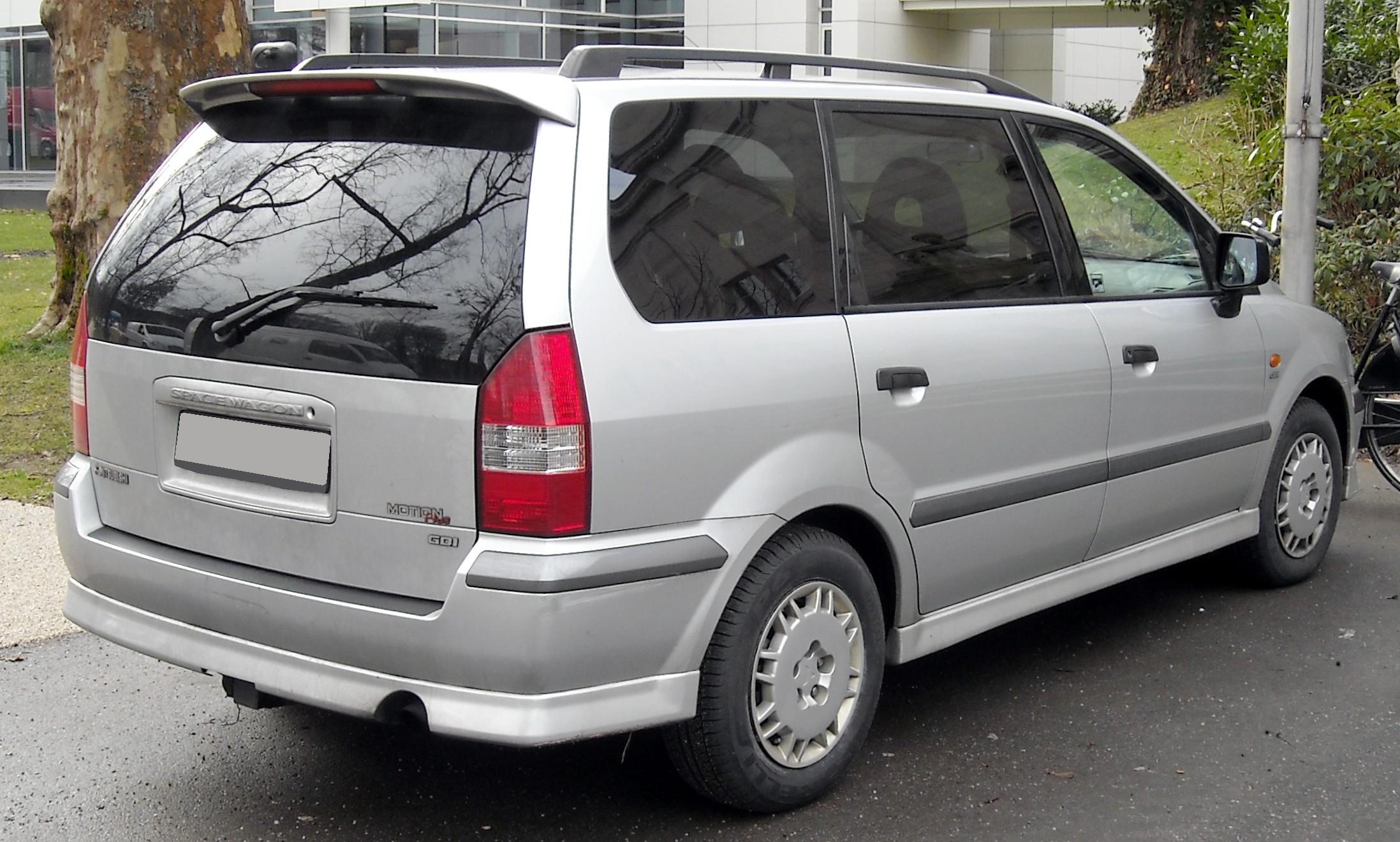 file:mitsubishi space wagon rear 20090121 - wikimedia commons
