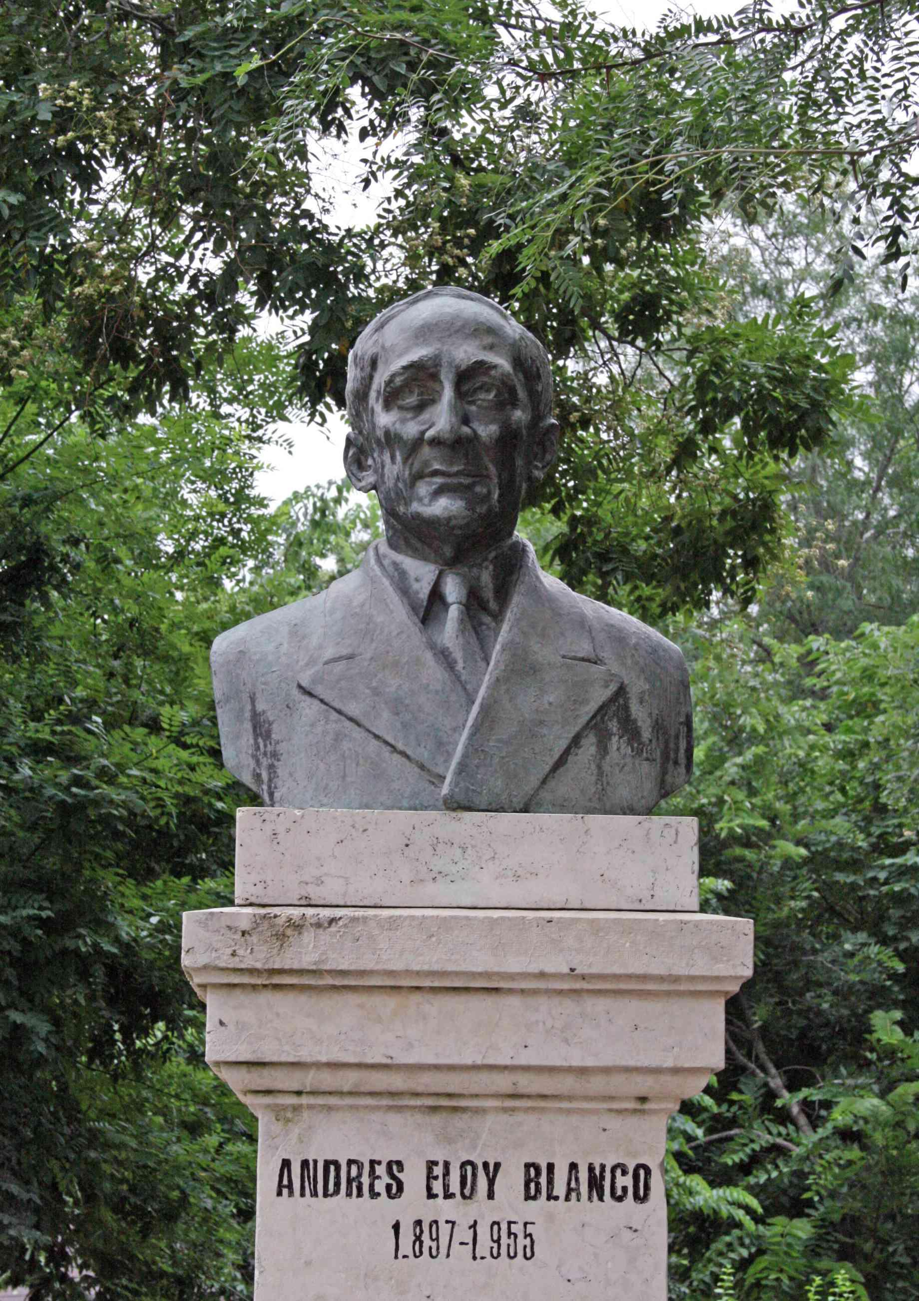 Busto de Andrés Eloy Blanco, Parque del Retiro, Madrid, España.