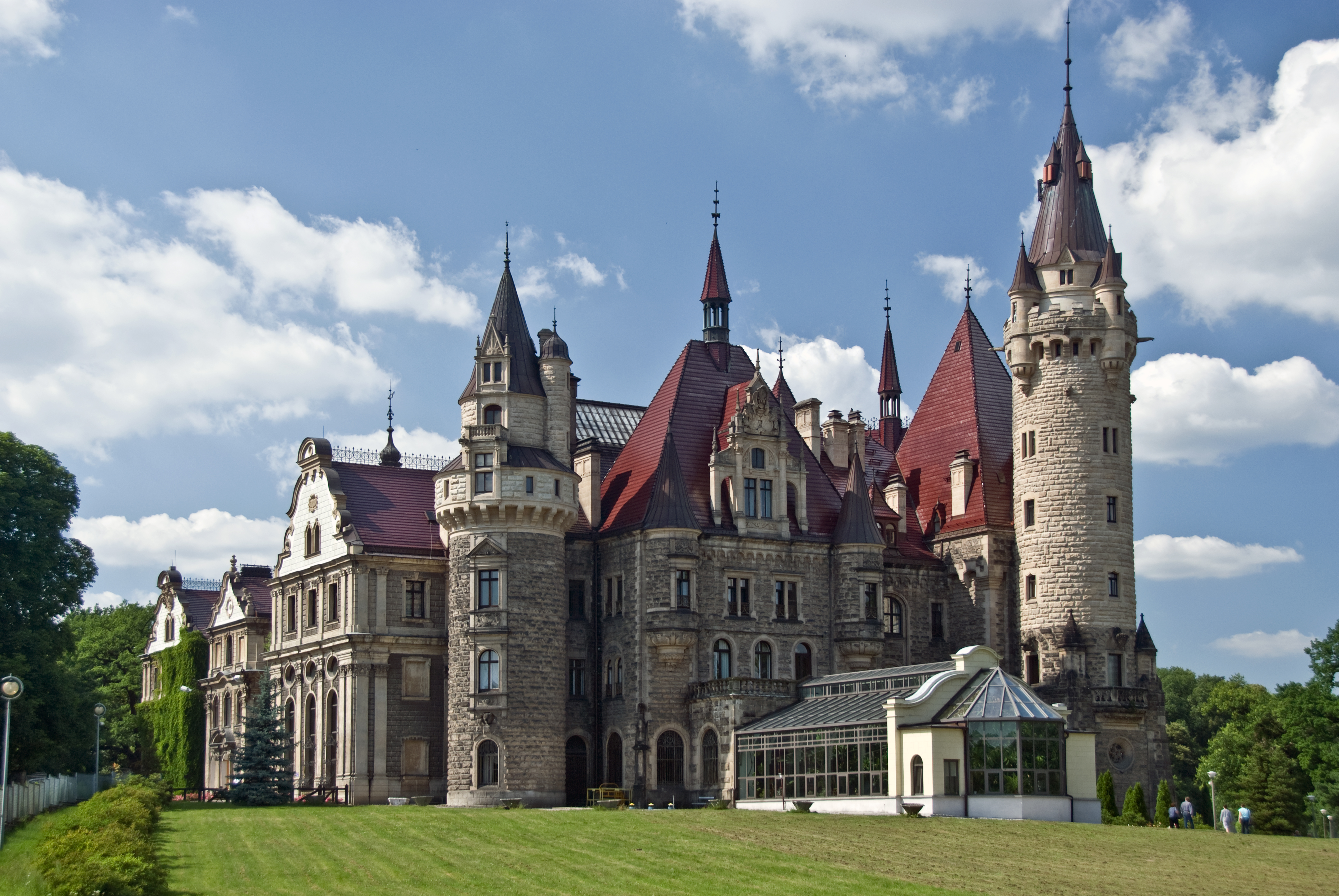 10 Amazing Castles You Have To Visit In Poland Hand