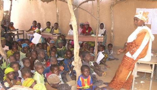 Niger primary school MCC3500.jpg