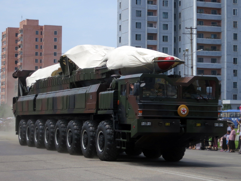 File:North Korea's ballistic missile - North Korea Victory Day-2013 01.jpg - Wikimedia Commons