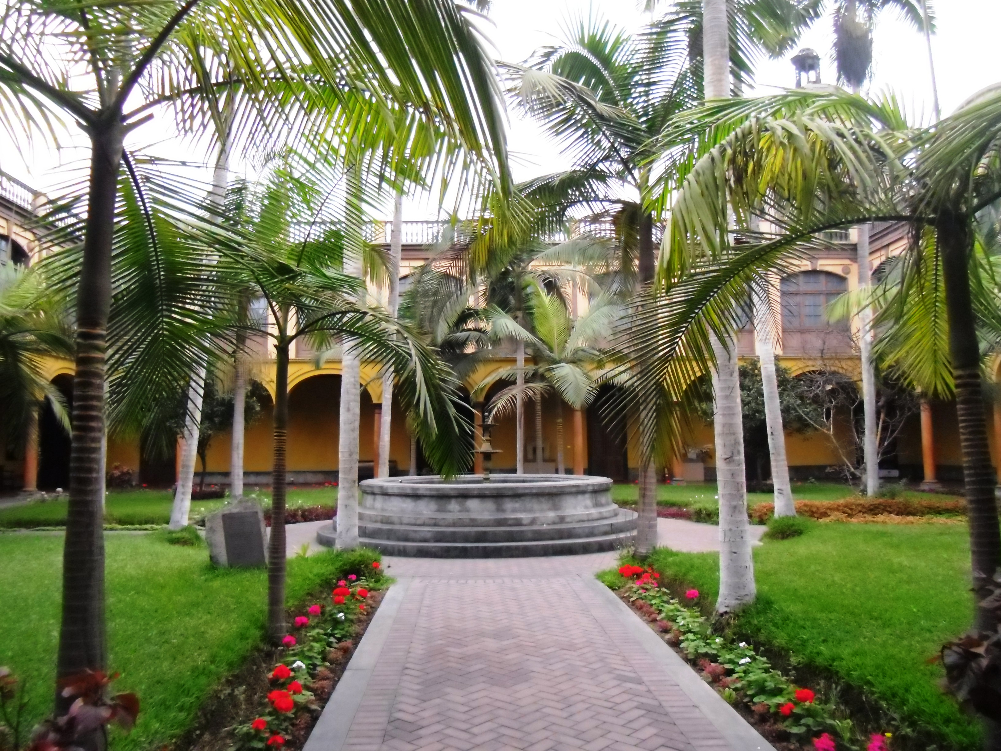 File:Patio de Letras-Casona de San Marcos 2.jpg - Wikimedia Commons