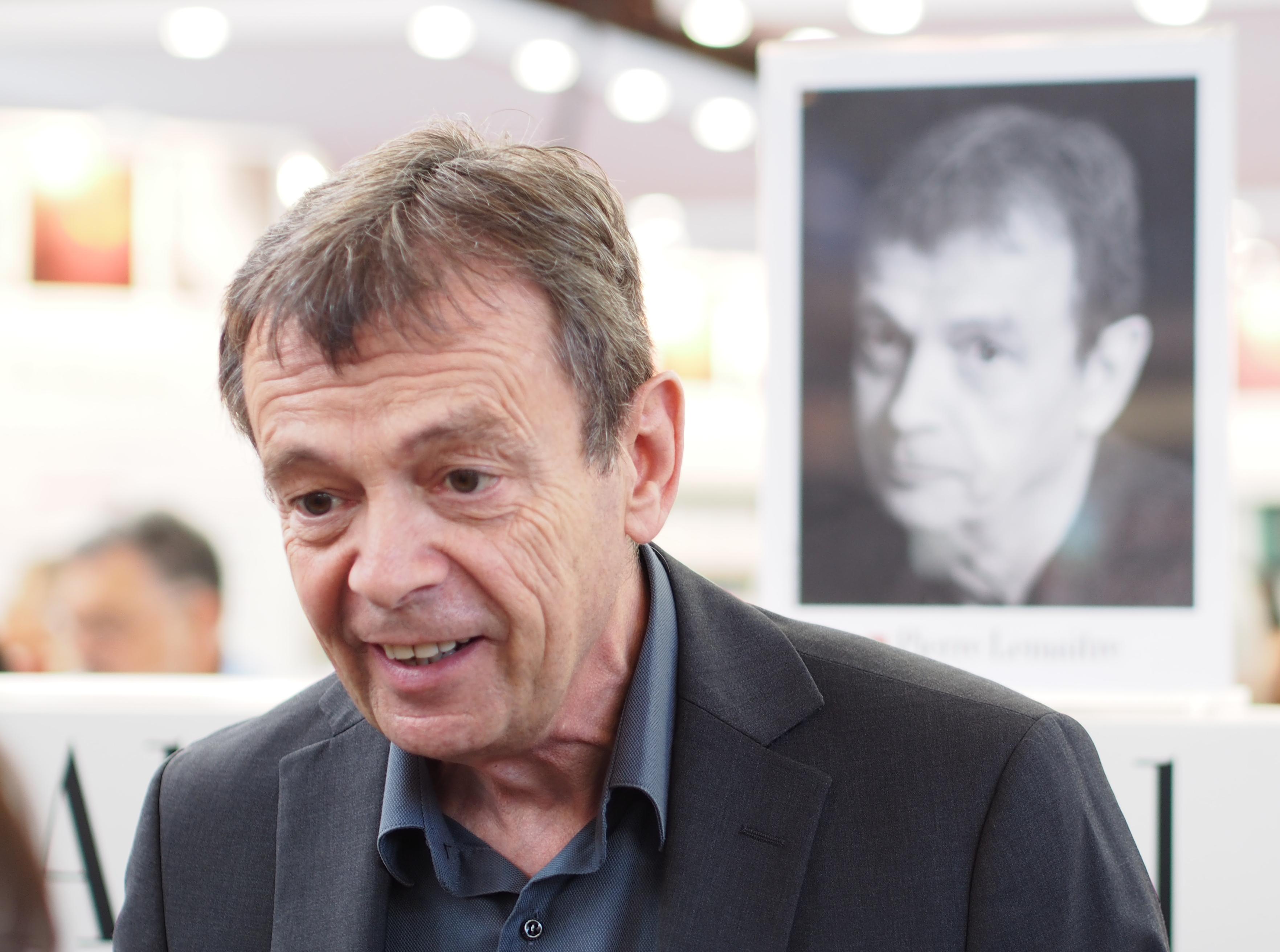 Pierre Lemaitre - Salon du livre de Paris - 23 mars 2014.JPG