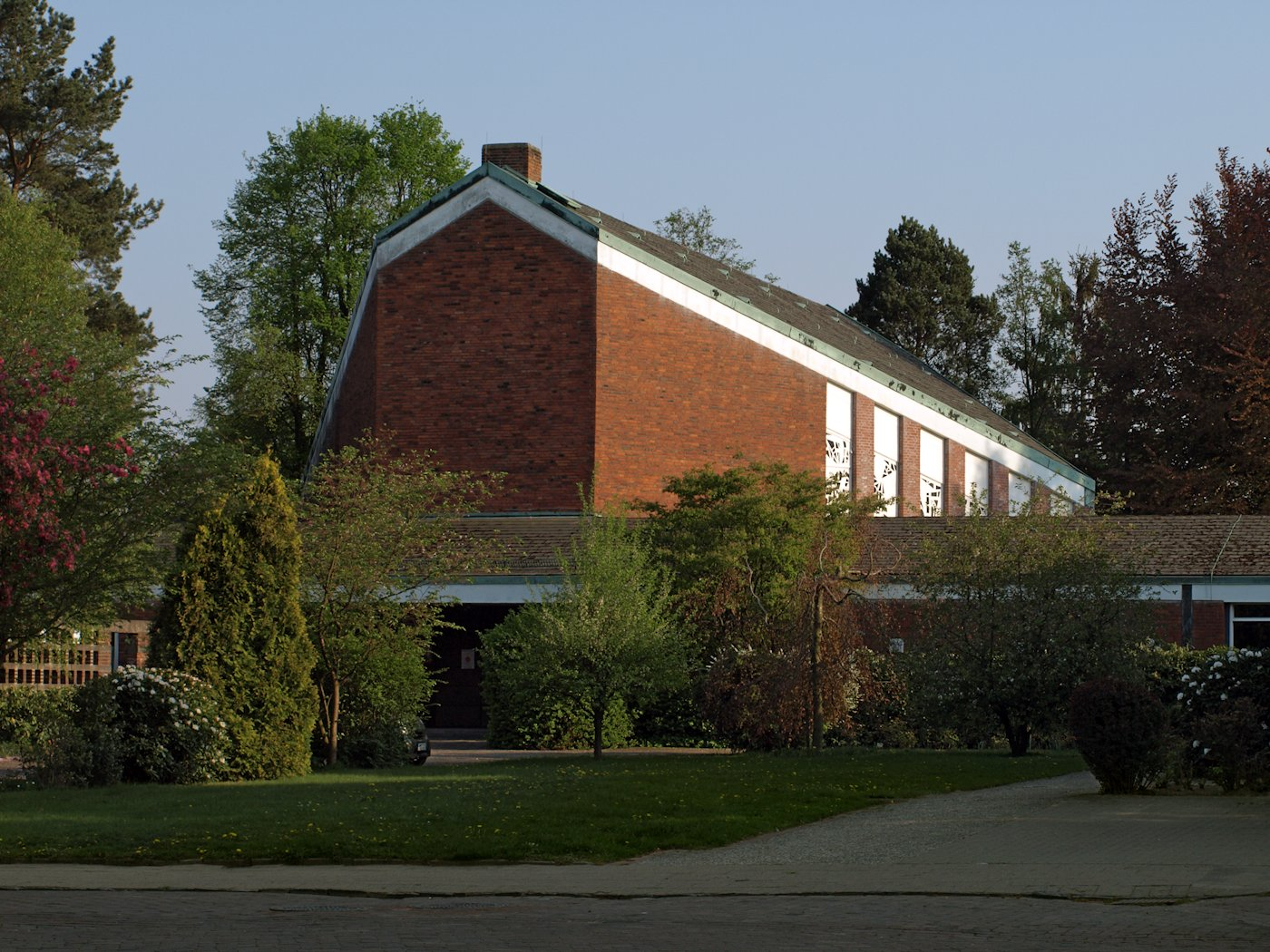 Datei:Pinneberg Heilig-Geist-Kirche.jpg – Wikipedia