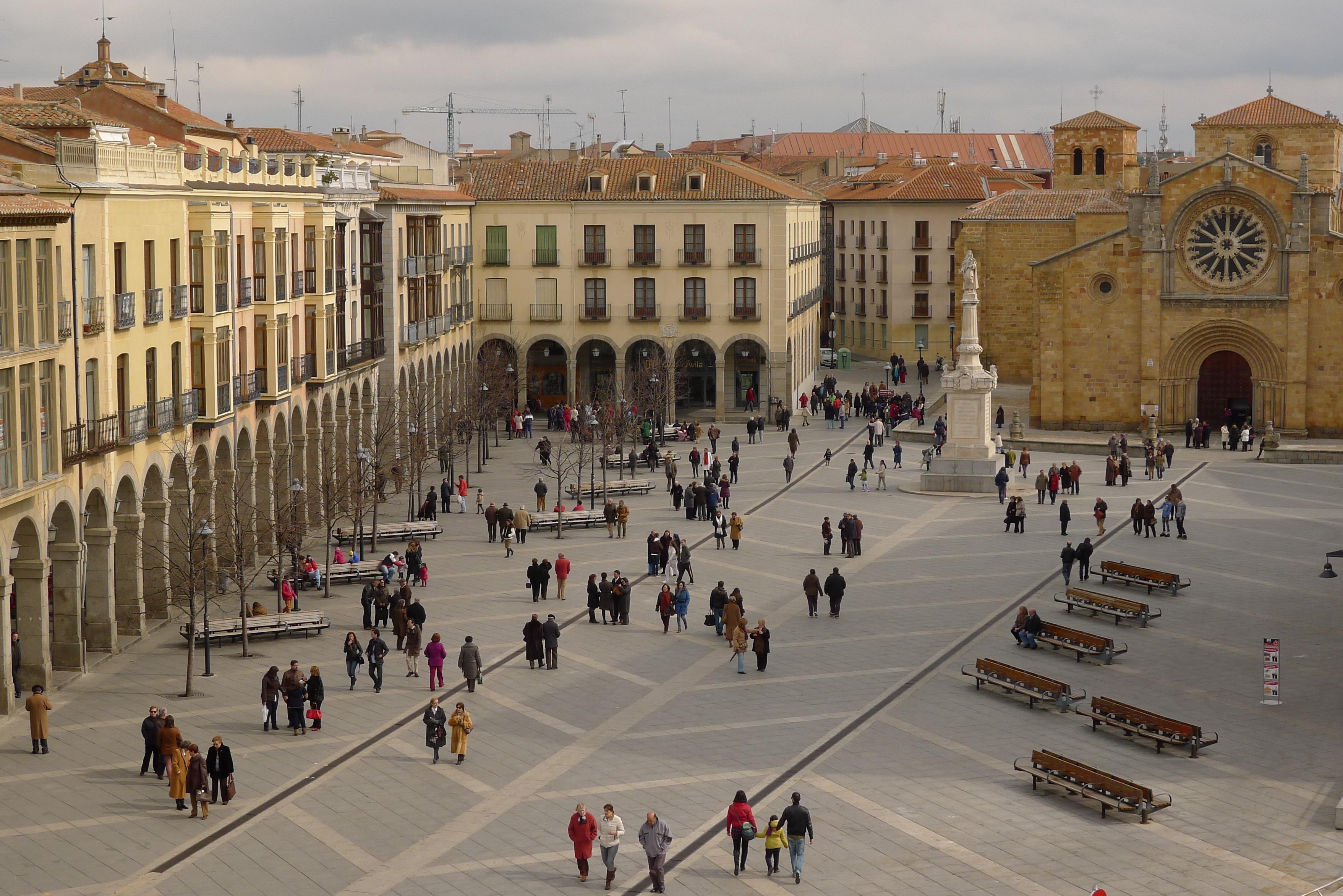 PLAZAS DEL MUNDO - Página 3 Plaza_del_Mercado_Grande,_%C3%81vila
