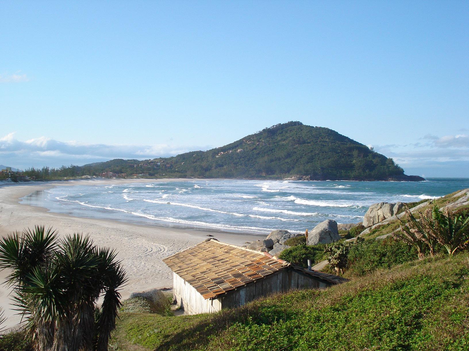 praia da ferrugem em garopaba santa catarina