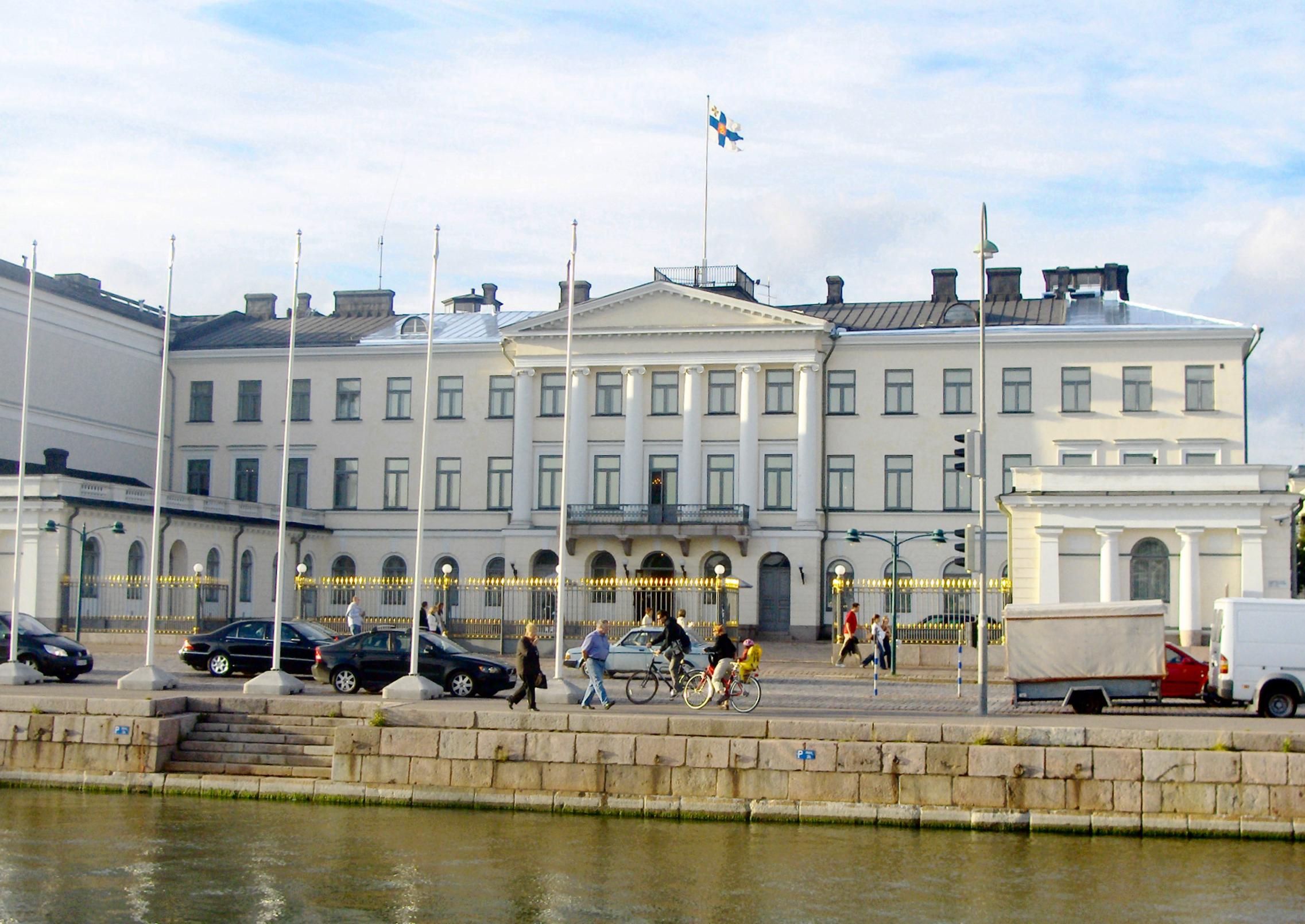 Le Monde Hotel Deals