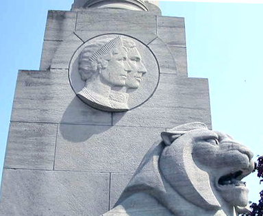 The Queen Elizabeth Way Monument, near Toronto, with a bas-relief of Queen Elizabeth and King George VI Qew-lg.jpg