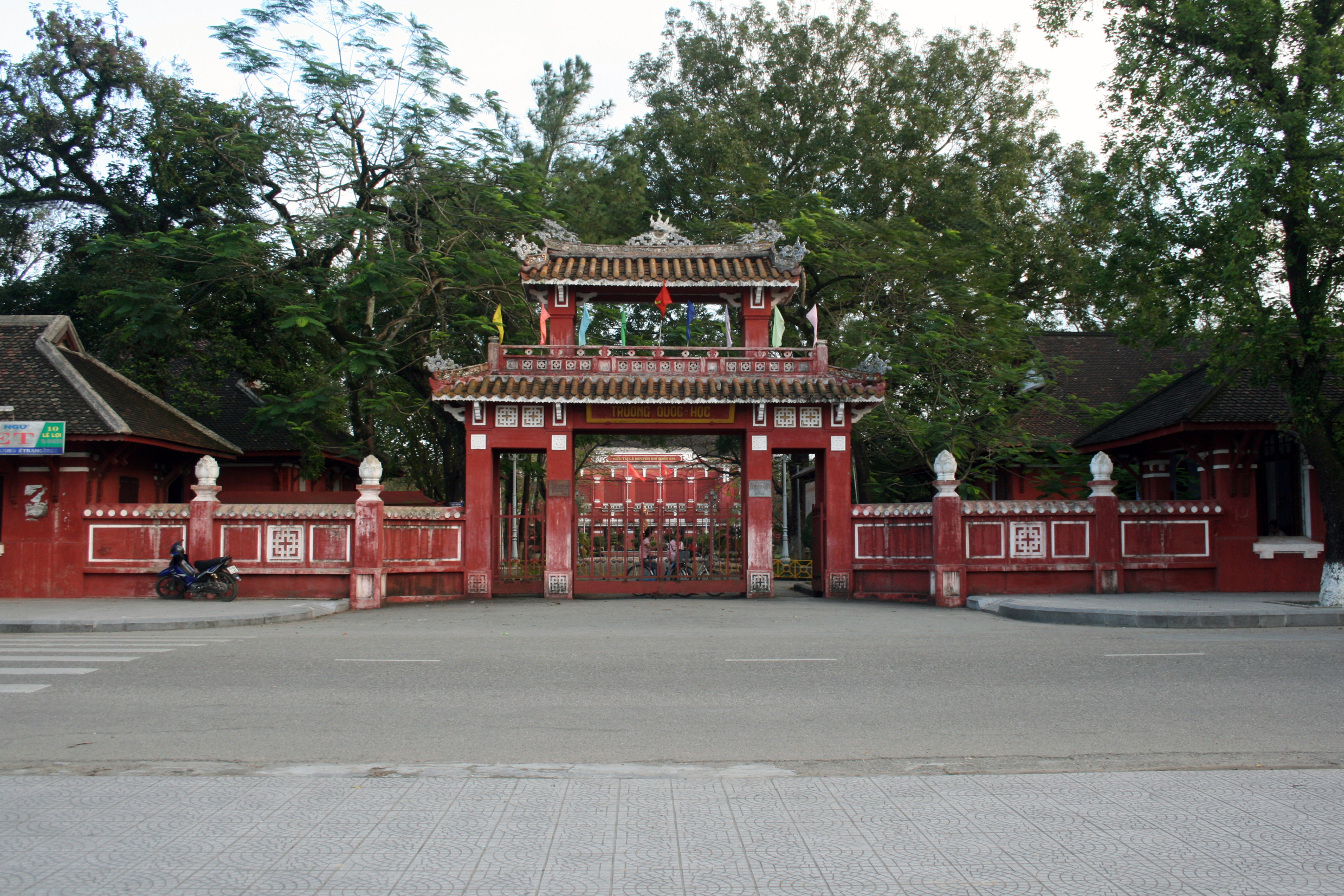 Quoc Hoc Hue high school