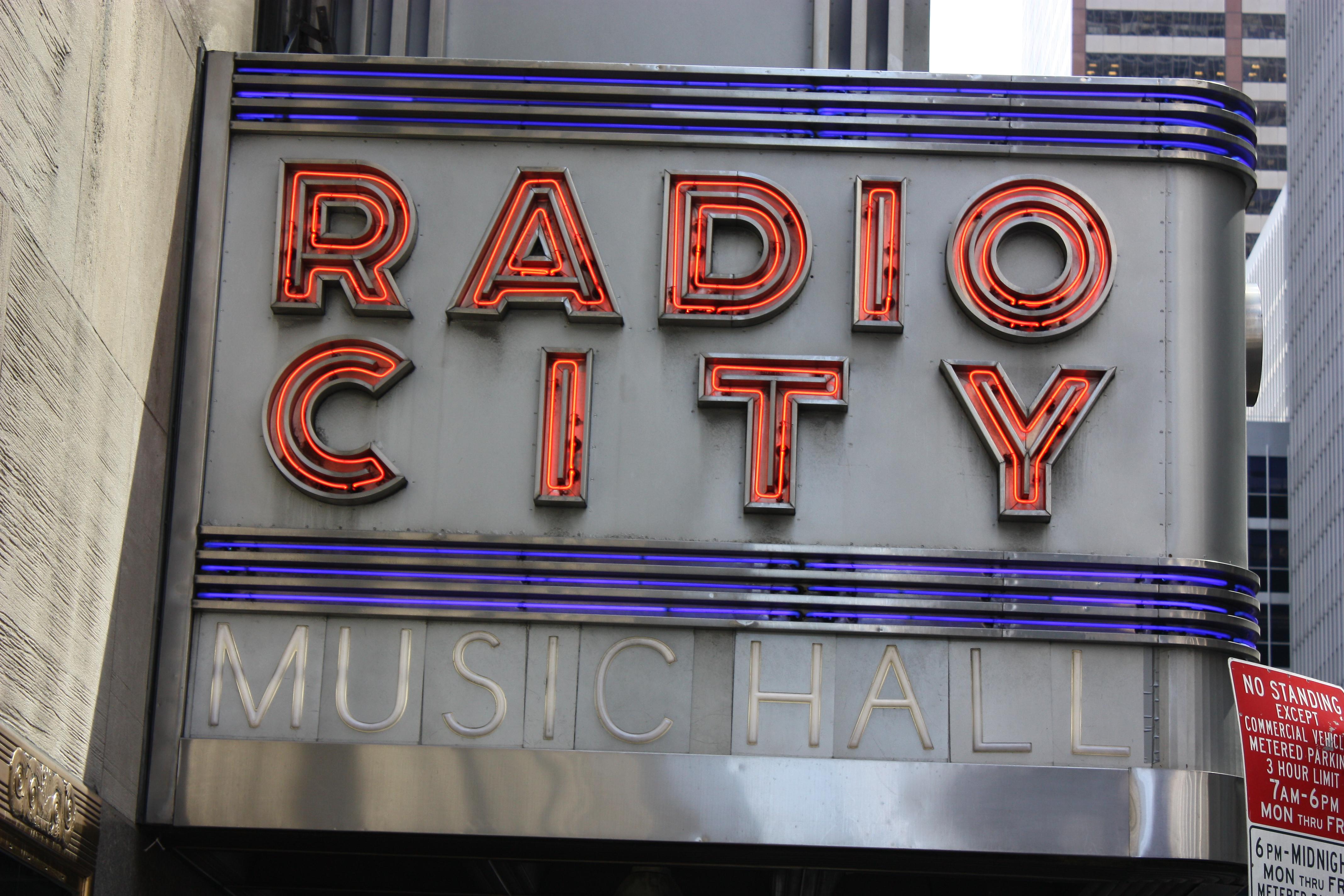 File:Radio City Music Hall (2549293905).jpg