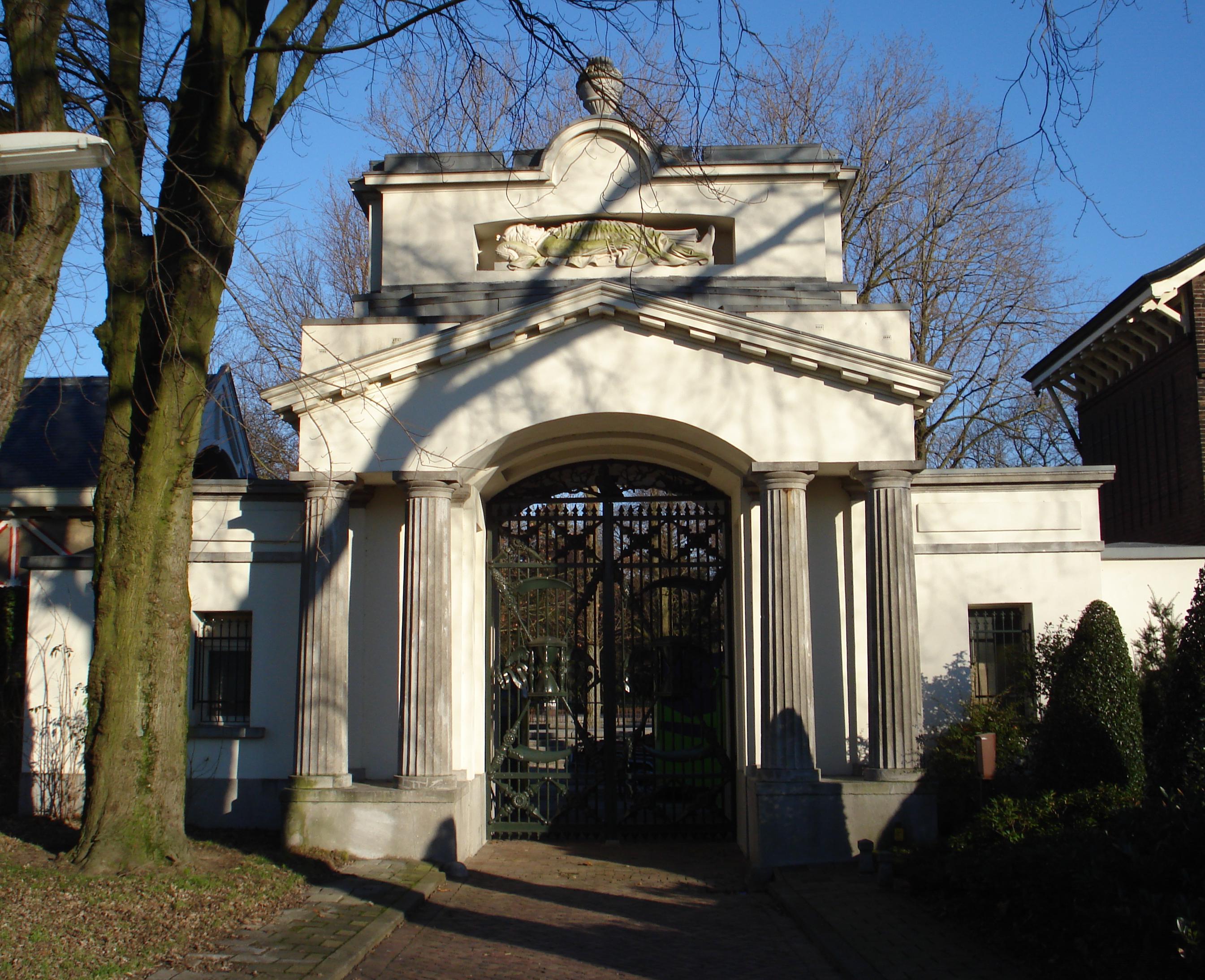 File rotterdam begraafplaats crooswijk for Rotterdam crooswijk