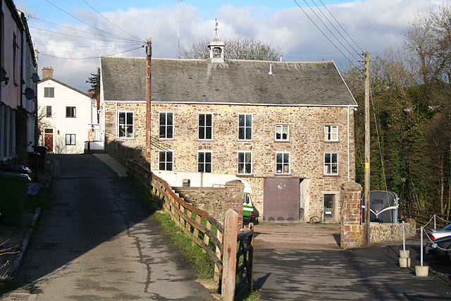 South Molton, Higher Mole Mills - geograph.org.uk - 320046