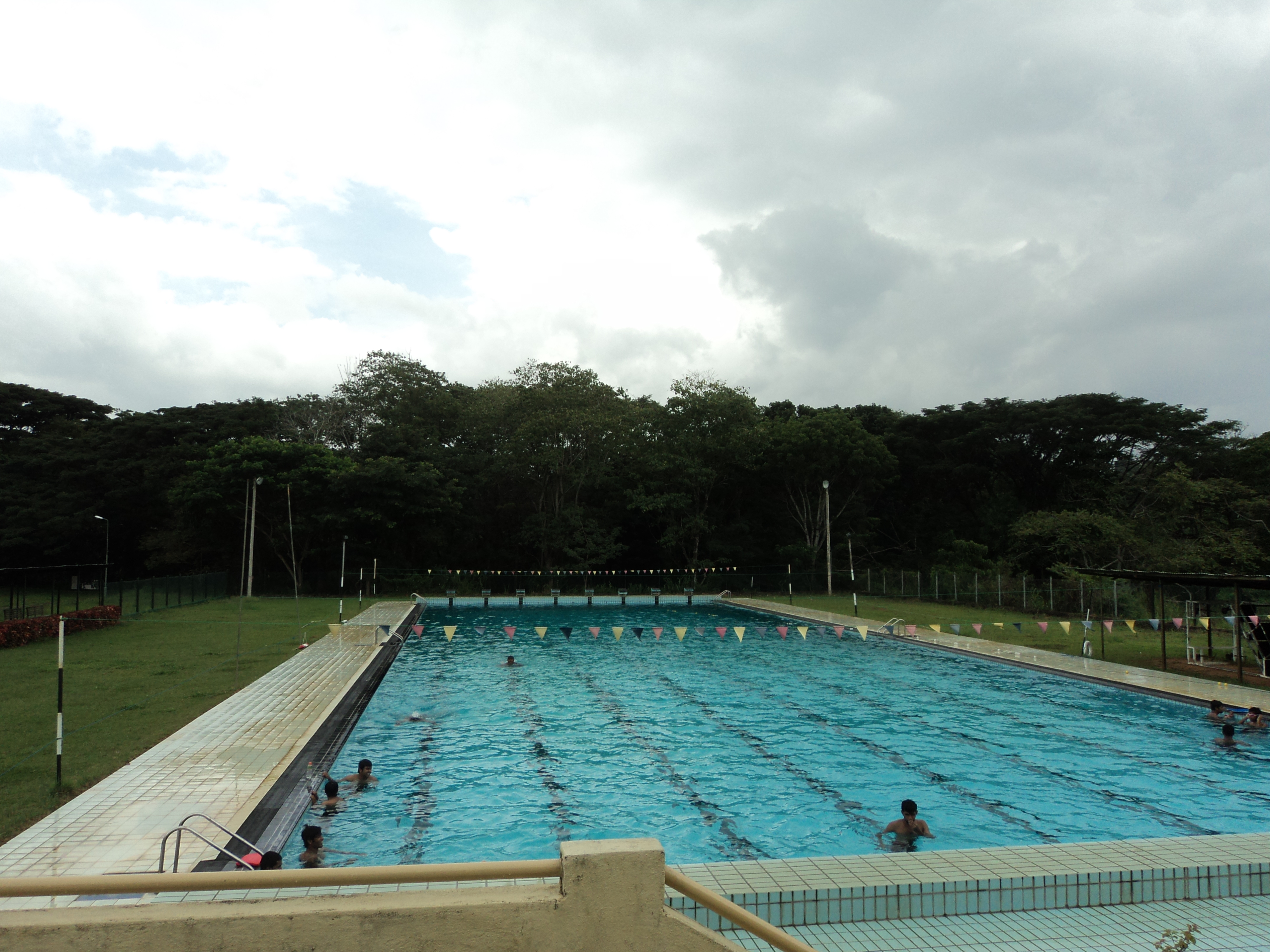 File Swimming Pool University Of Peradeniya Sri Lanka Jpg Wikimedia Commons: university of wisconsin swimming pool