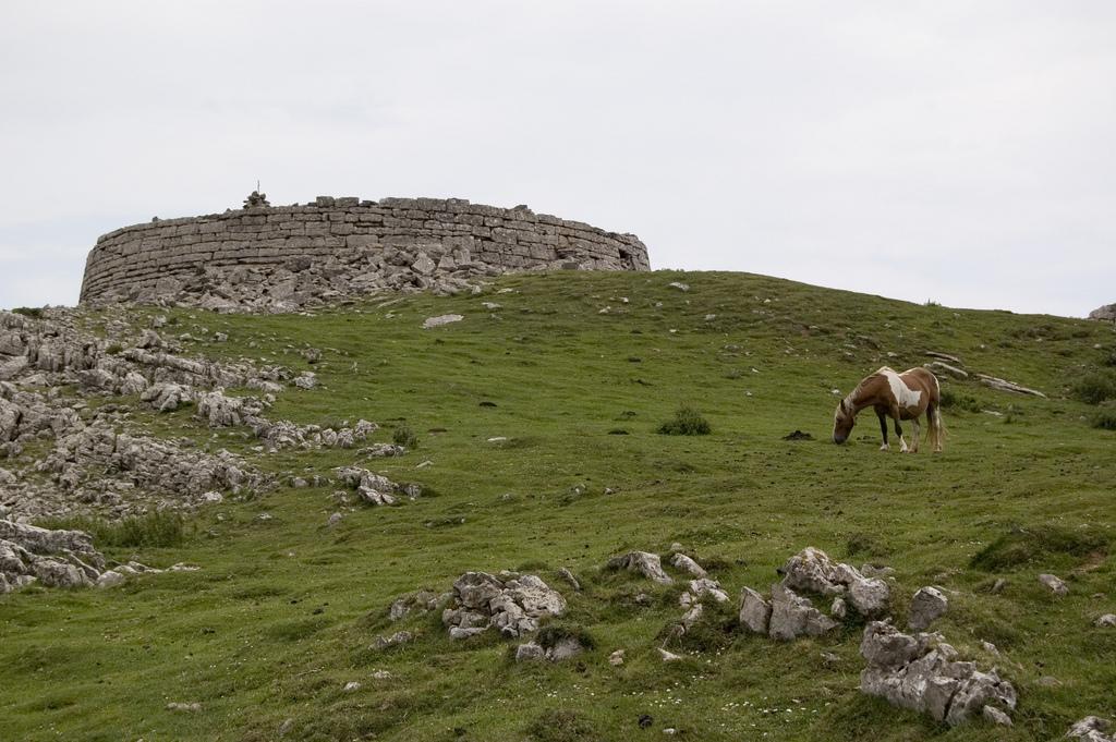 Torre de Urkulu.jpg