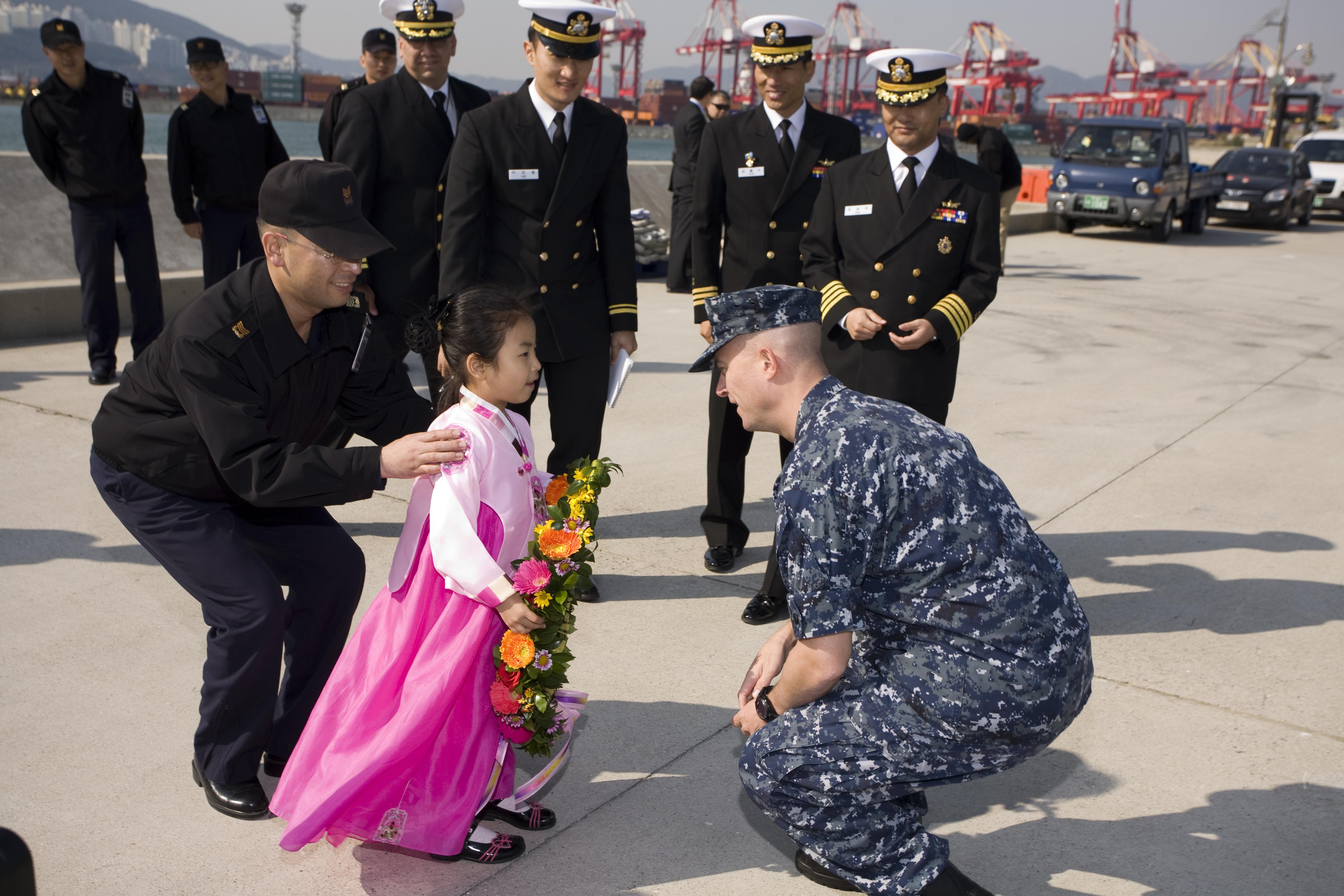 潜艇部队的『再平衡』: 美核动力潜舰抵日,警示躐等潜在对手