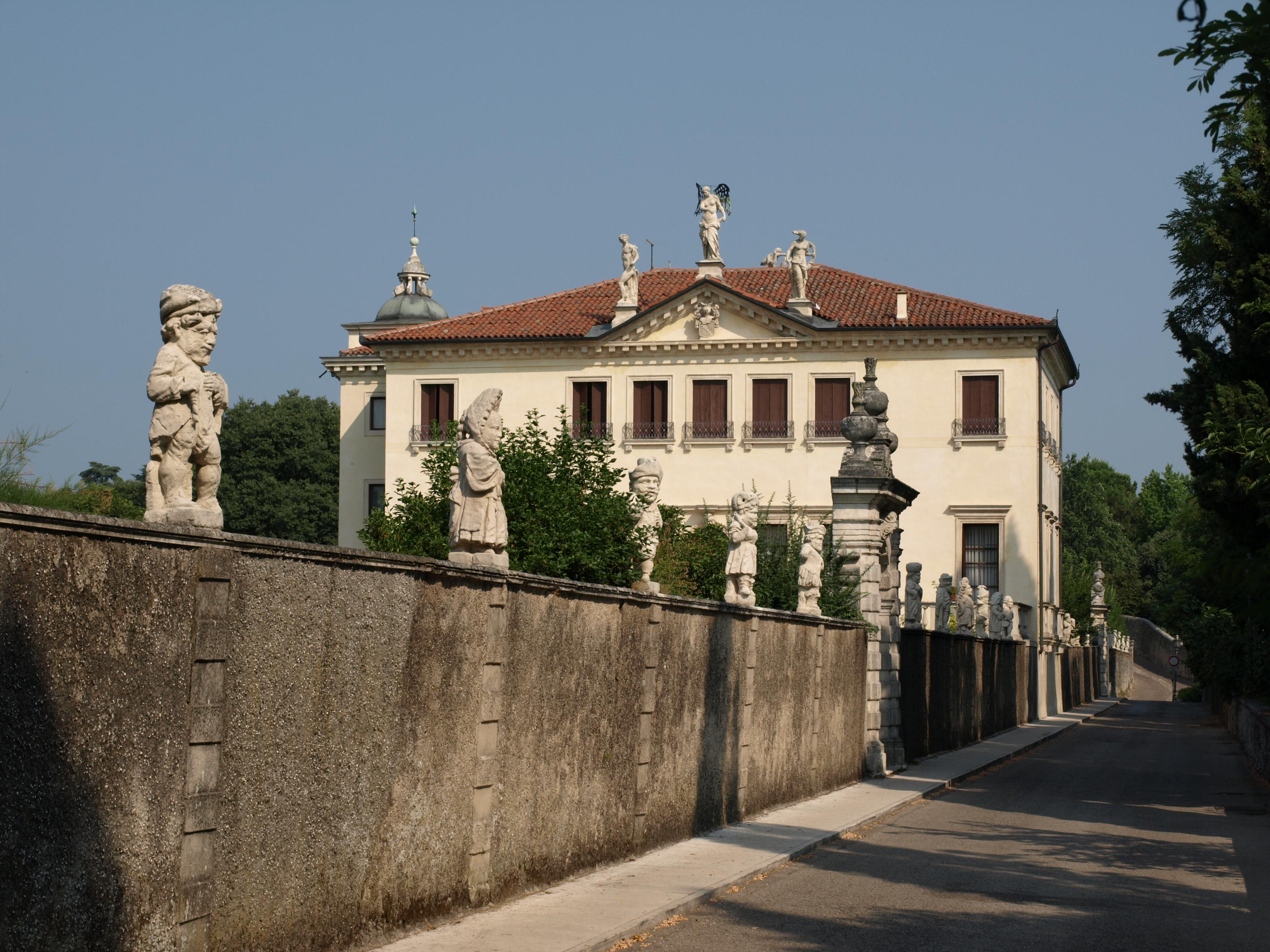 Villa In Vendita Mb