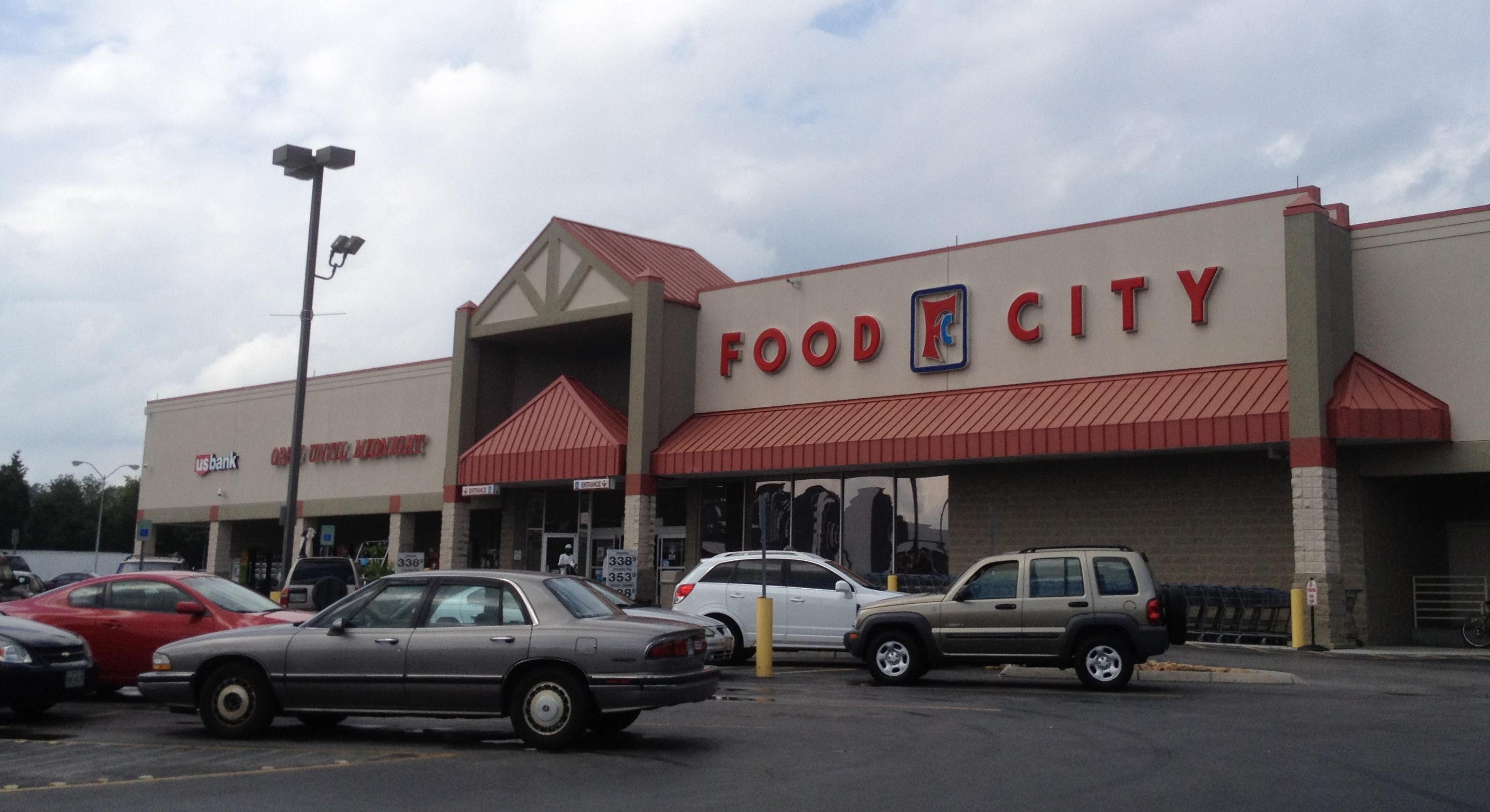 File:Winn Dixie Clinton Hwy Knoxville, TN (9568479242).jpg
