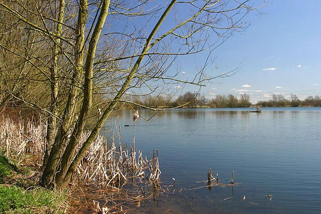 Witney Lake - geograph.org.uk - 346909