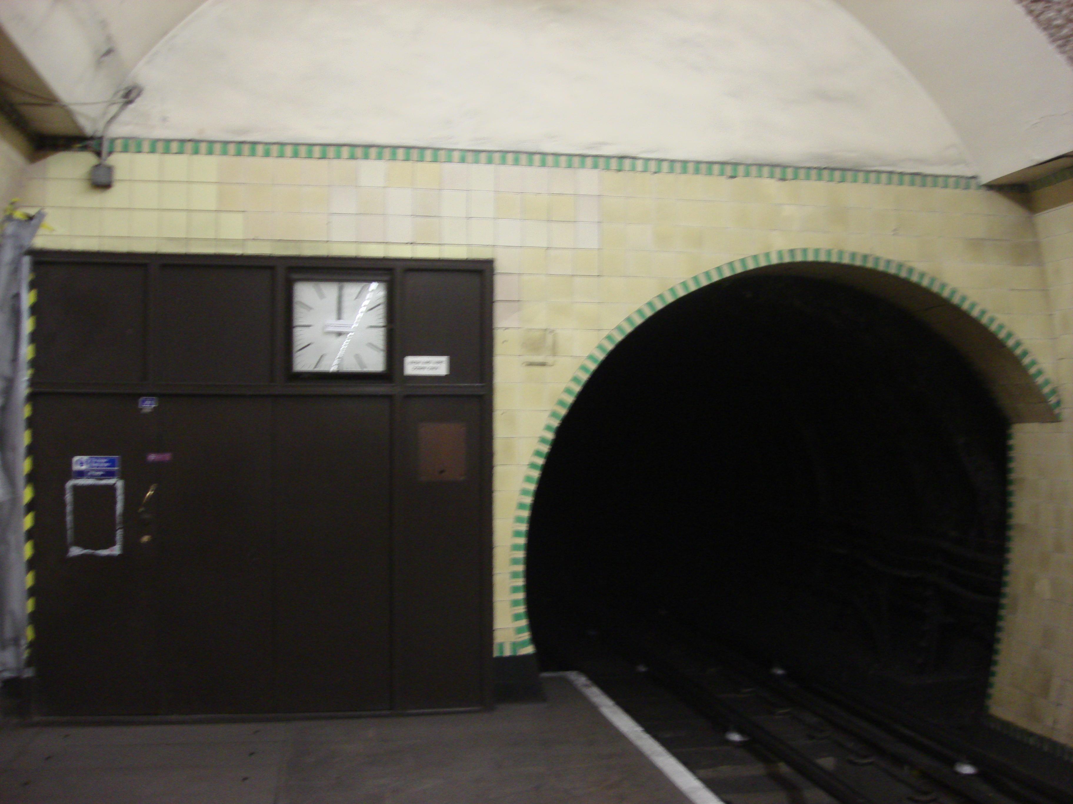 ウッド・グリーン駅