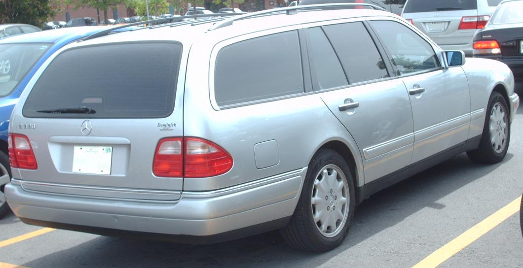 File:'96-'99 Mercedes-Benz E320 Wagon.jpg - Wikimedia Commons