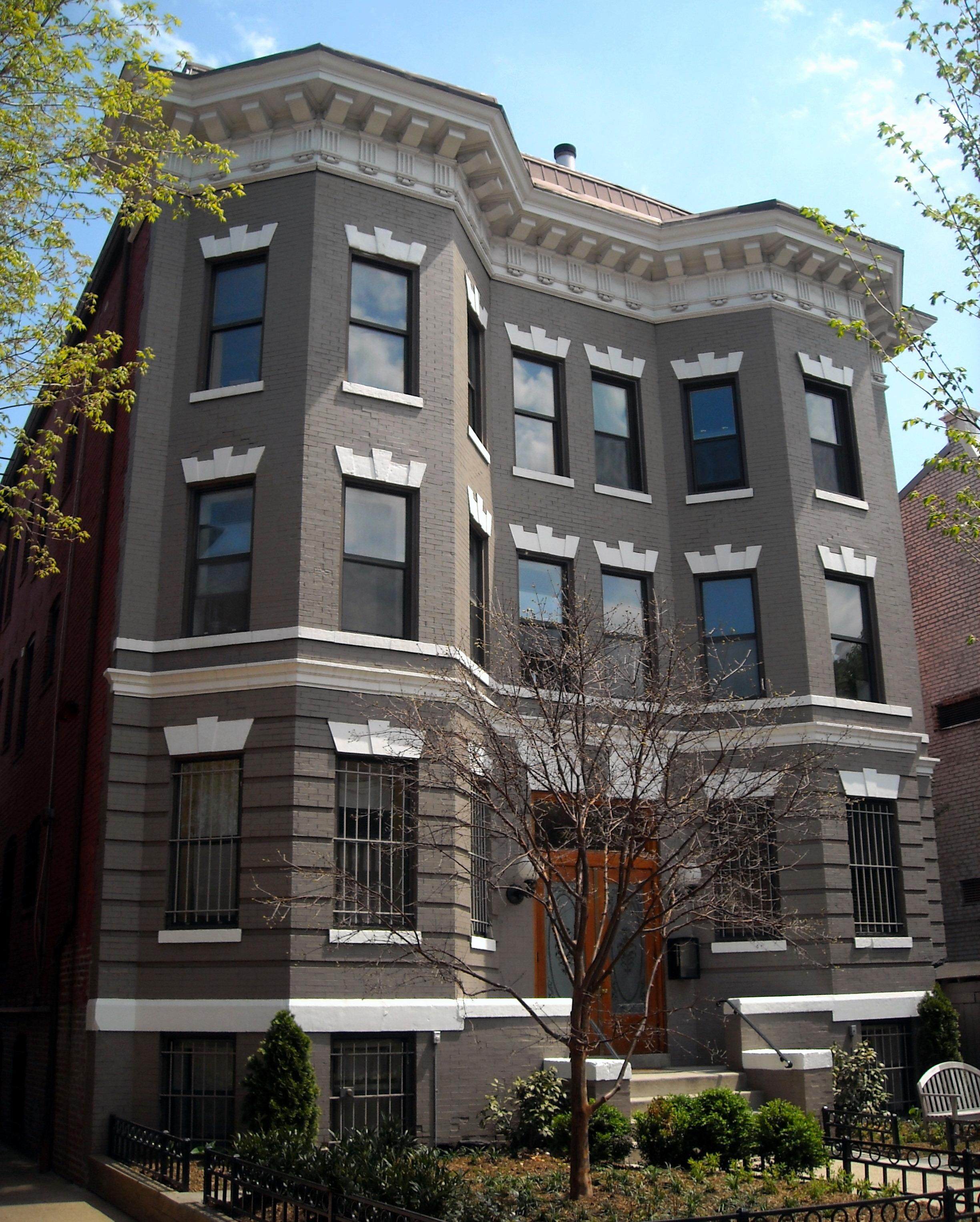 Apartment Building Th Grand  Under Constructin