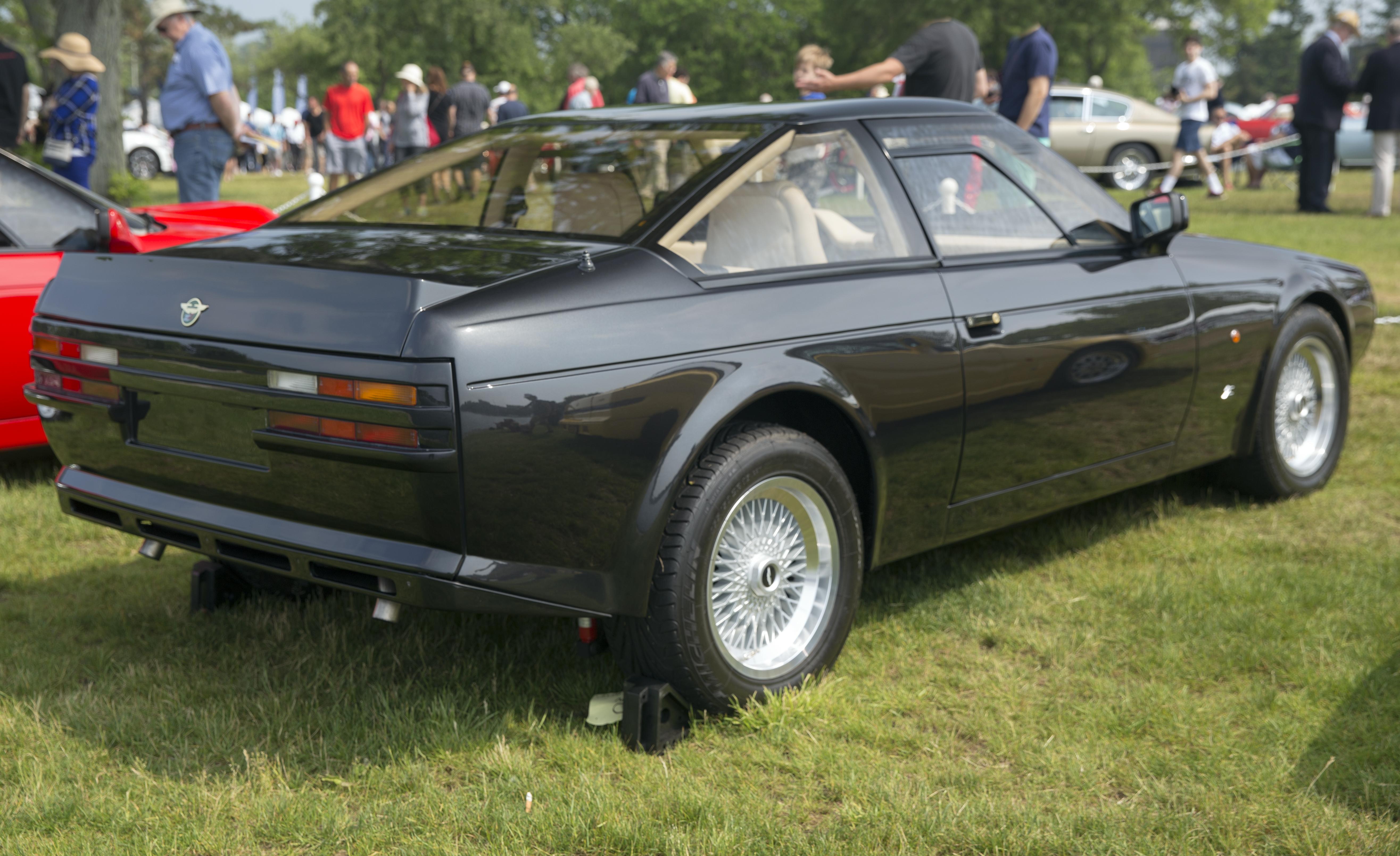 File 1987 And 1991 Aston Martin V8 Vantage Zagato 20043 Rear Right Greenwich 2019 Jpg Wikimedia Commons