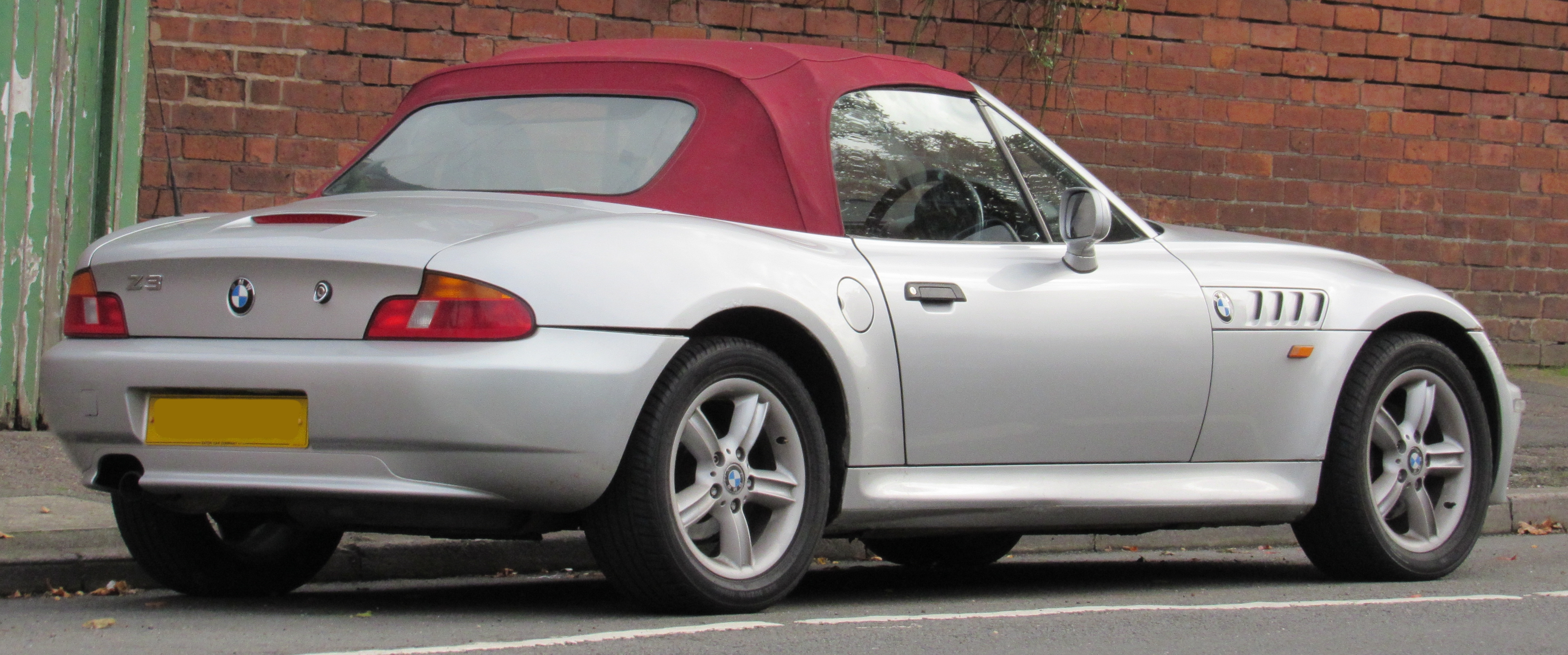 File 1999 Bmw Z3 1 9 Rear Jpg Wikimedia Commons
