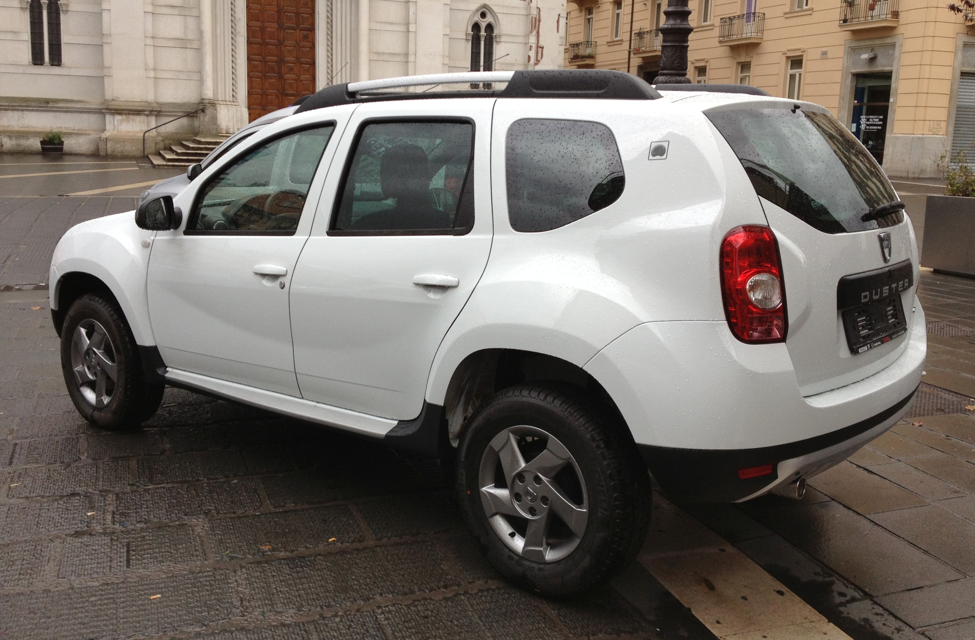 file 2012 dacia duster 1 5 dci rear jpg wikimedia commons. Black Bedroom Furniture Sets. Home Design Ideas