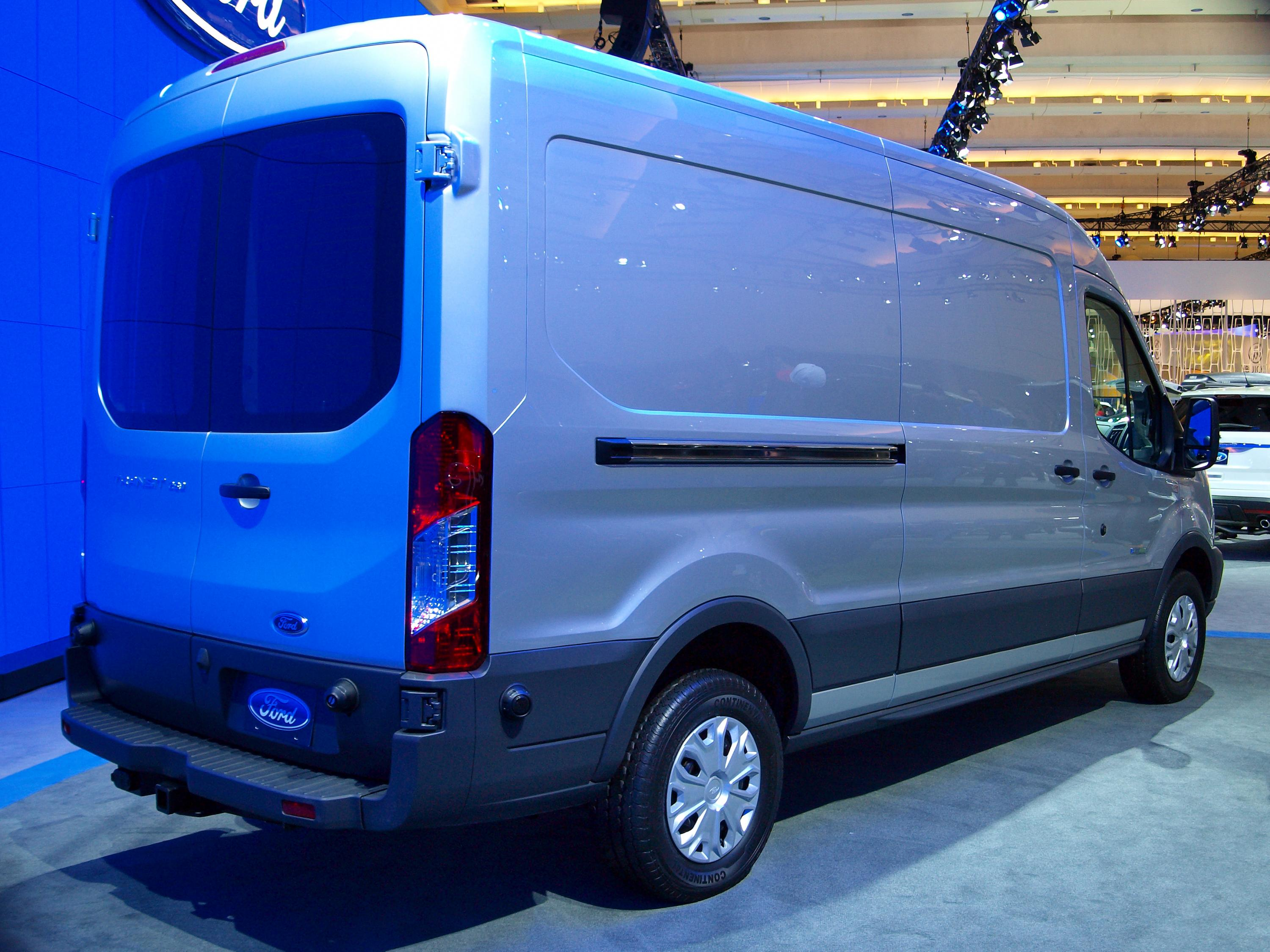 Description 2014 Ford Transit CIAS 2.jpg