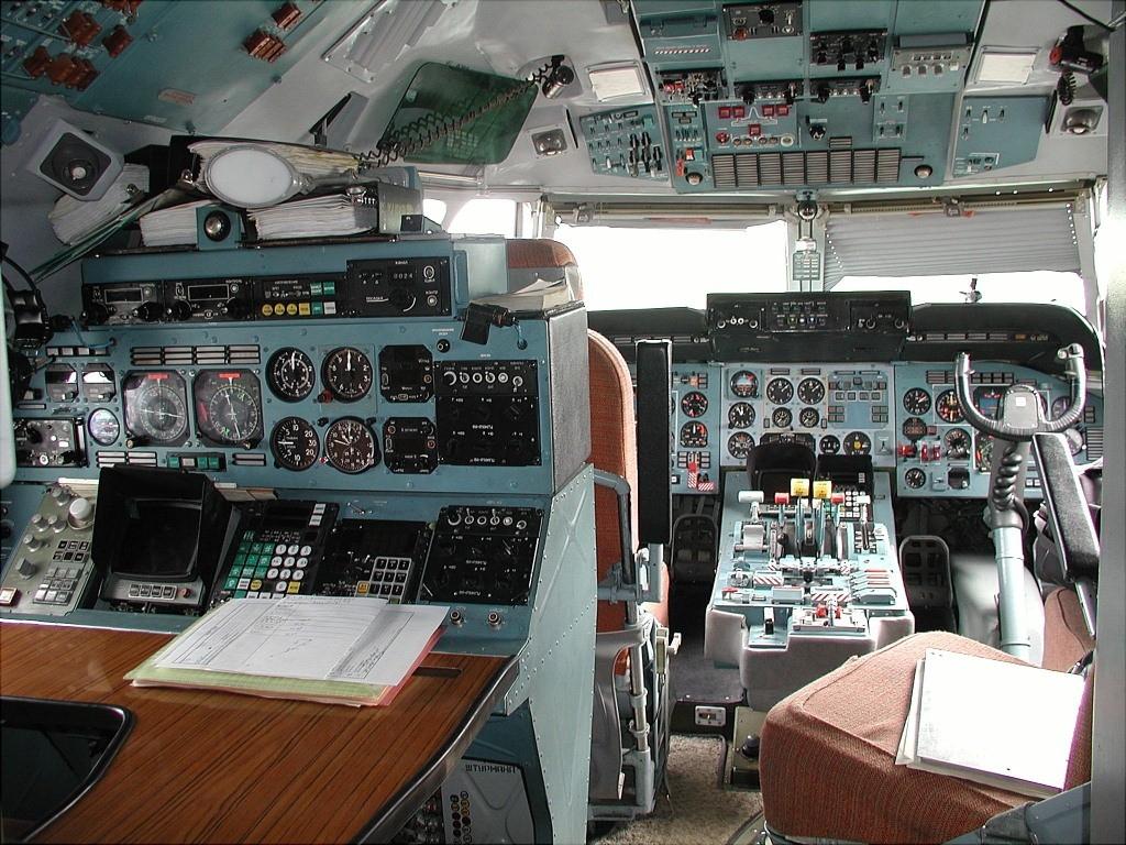 File Antonov An 74 200 Alliance Avia Yamal Airlines