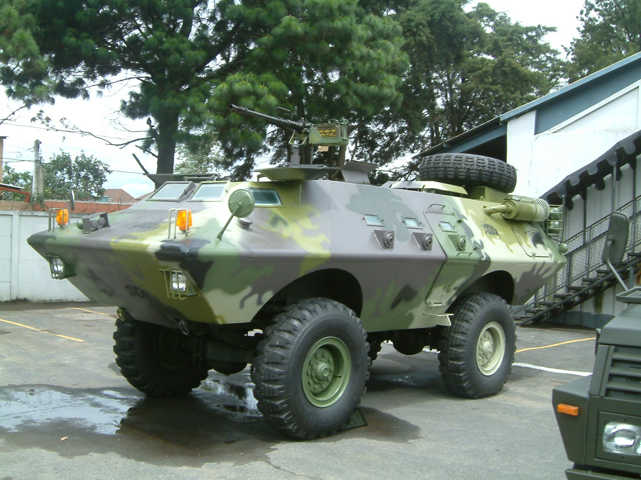 Fuerzas Armadas de Guatemala - Página 5 Armadillo_Apc_%2813%29