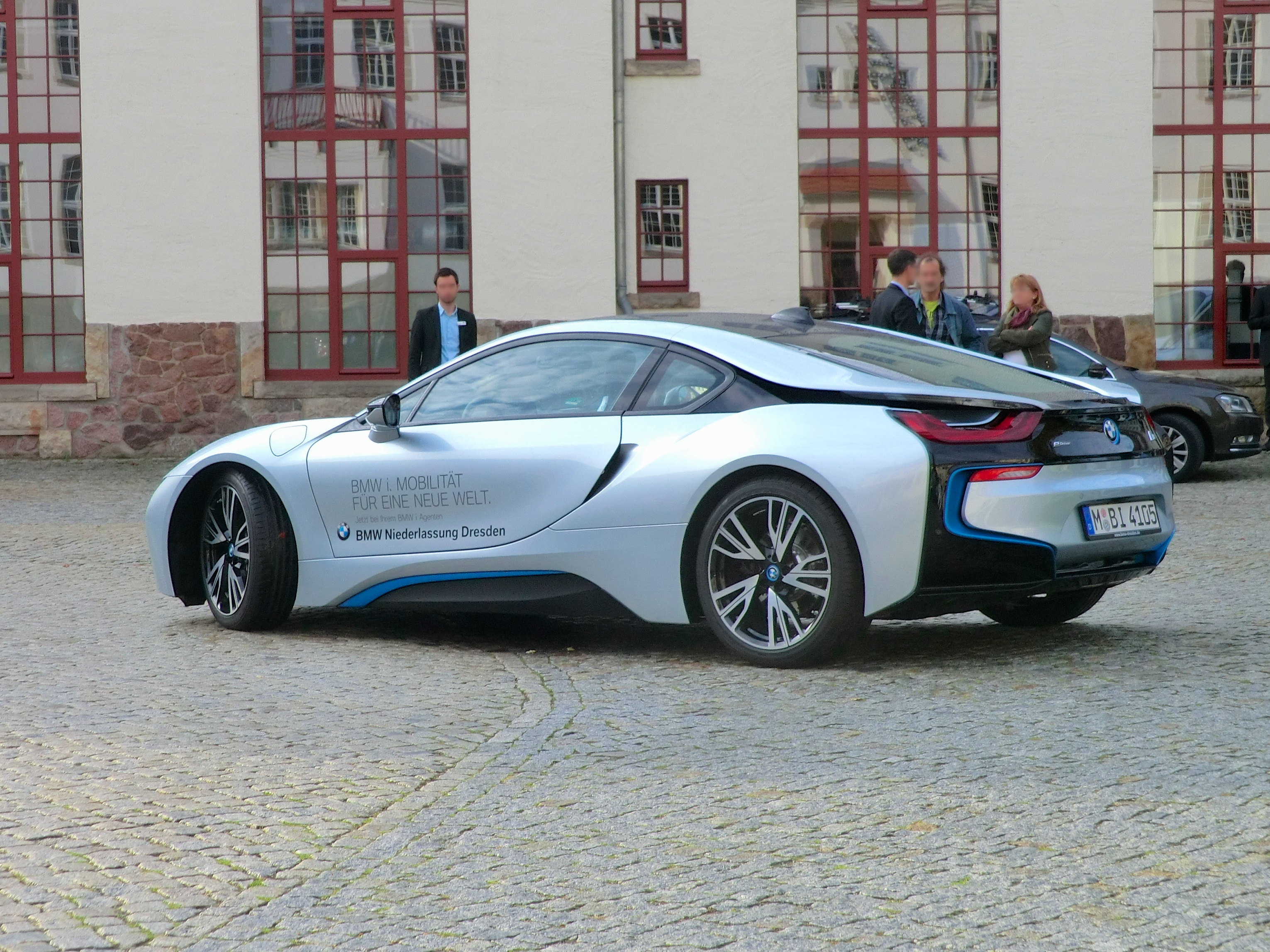 file bmw i8 in dresden hellerau 1 jpg wikimedia commons. Black Bedroom Furniture Sets. Home Design Ideas