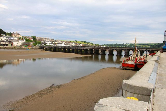 File:Bideford Long Bridge at low tide - geograph.org.uk - 1392883.jpg