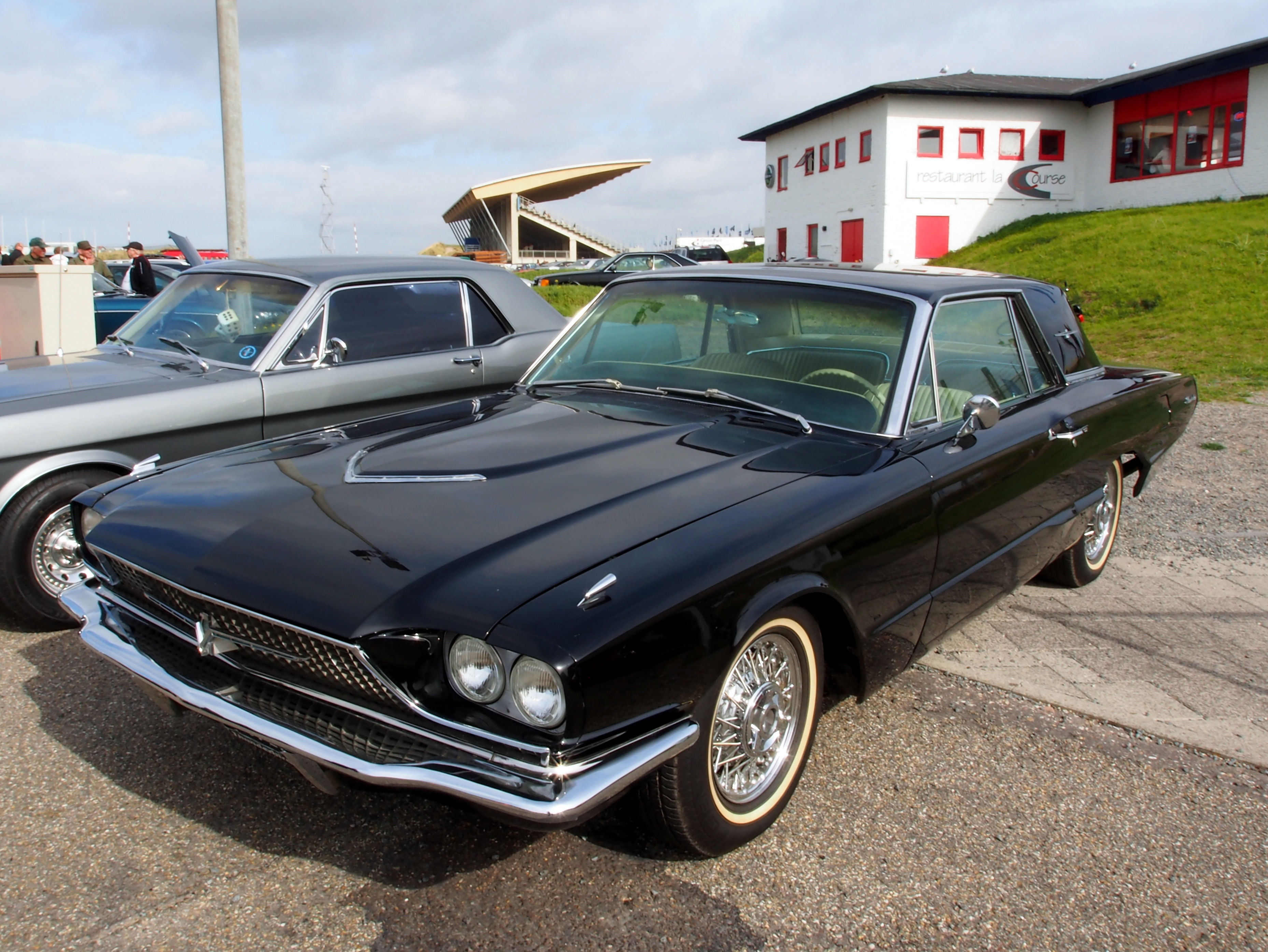 file black 1966 ford thunderbird pic1 jpg wikimedia commons. Black Bedroom Furniture Sets. Home Design Ideas