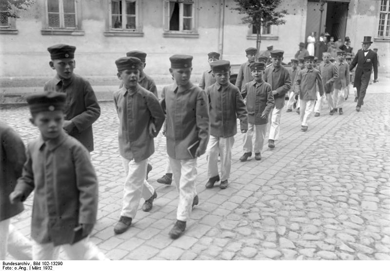 Zöglinge, 1932