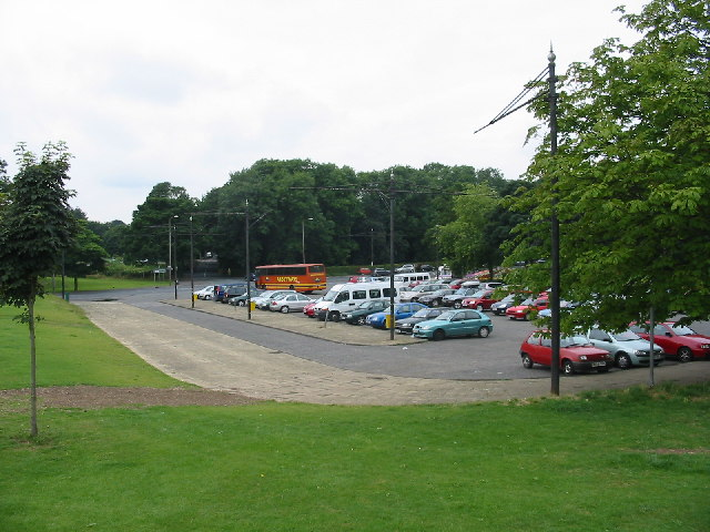 Car Park for Roundhay Park - geograph.org.uk - 60975