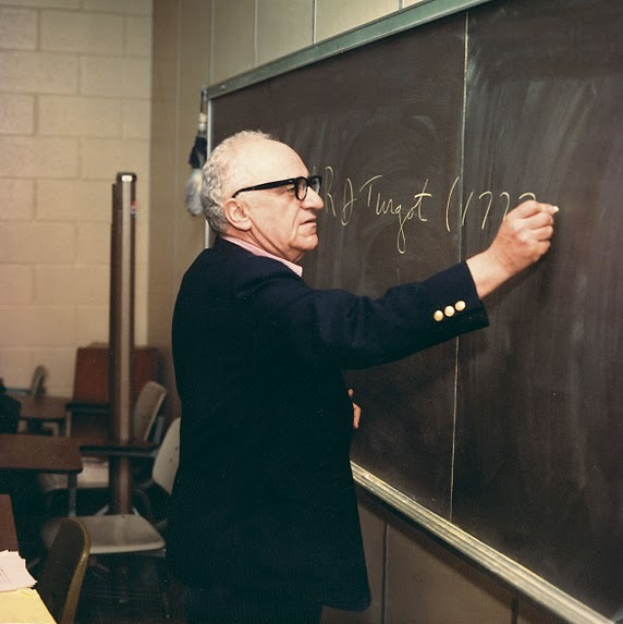 File:Chalkboard color.jpg