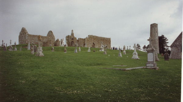 File:Clonmacnois, Co Offaly, Ireland - geograph.org.uk - 80046.jpg